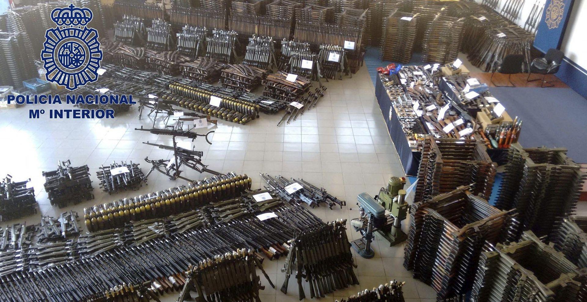 U arsenalu zaplijenjenom u Španjolskoj i protuzračno oružje