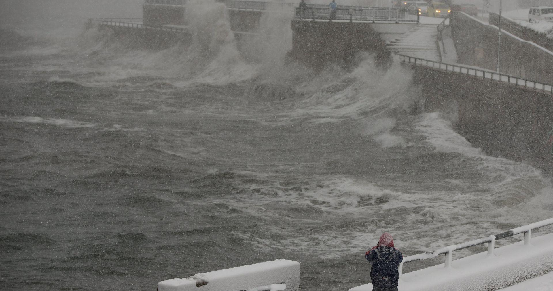 ŠESTERO MRTVIH Snježna oluja paralizirala istok Kanade