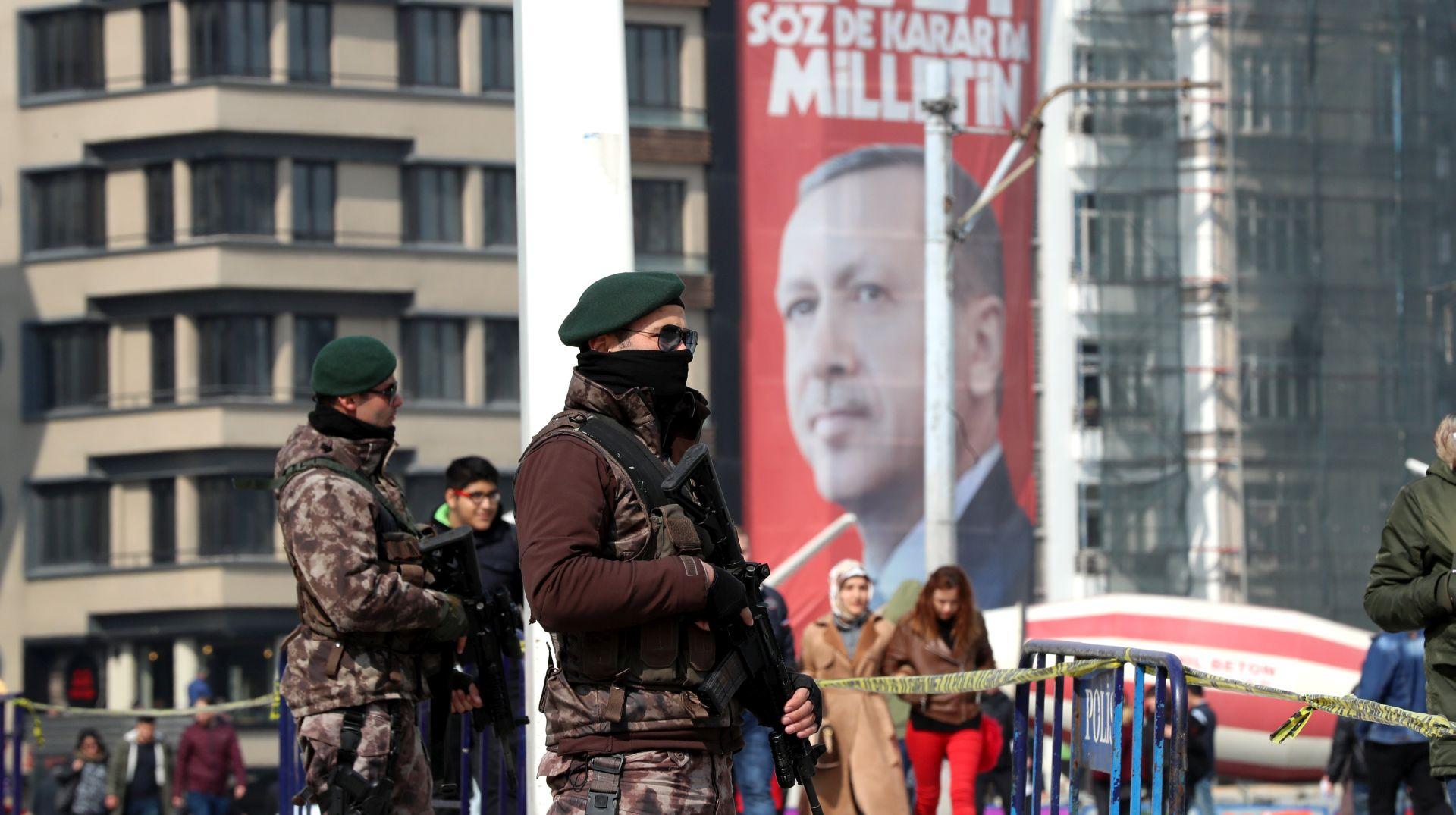 Edrogan odgovornost za Srebrenicu pripisao Nizozemskoj i upozorava na fašizam u Europi