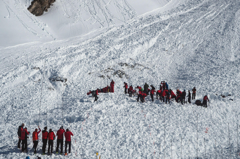 Najmanje dvoje poginulih u lavini u Austriji