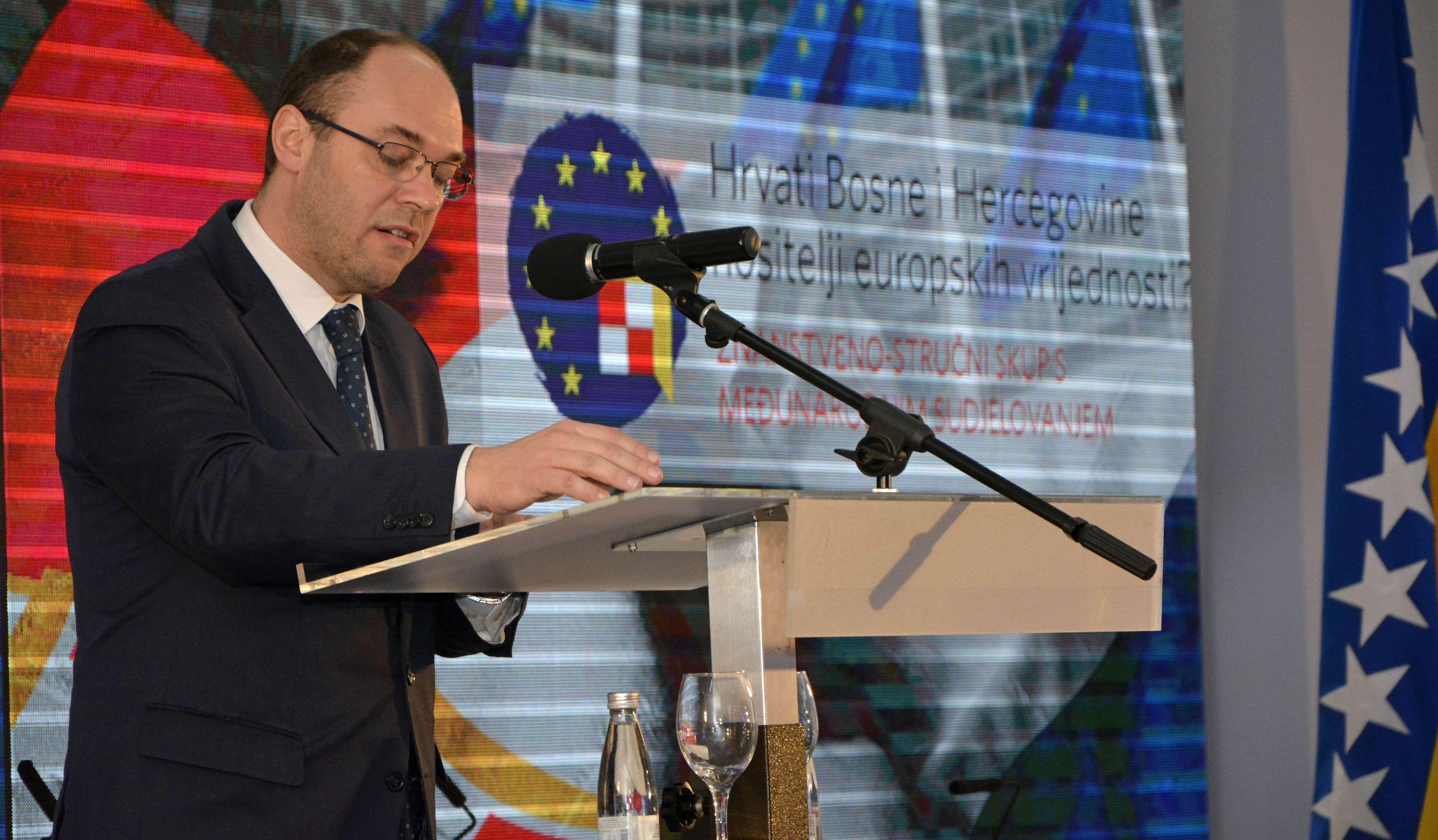 Stier upozorava na krizu u BiH bez novog izbornog zakona