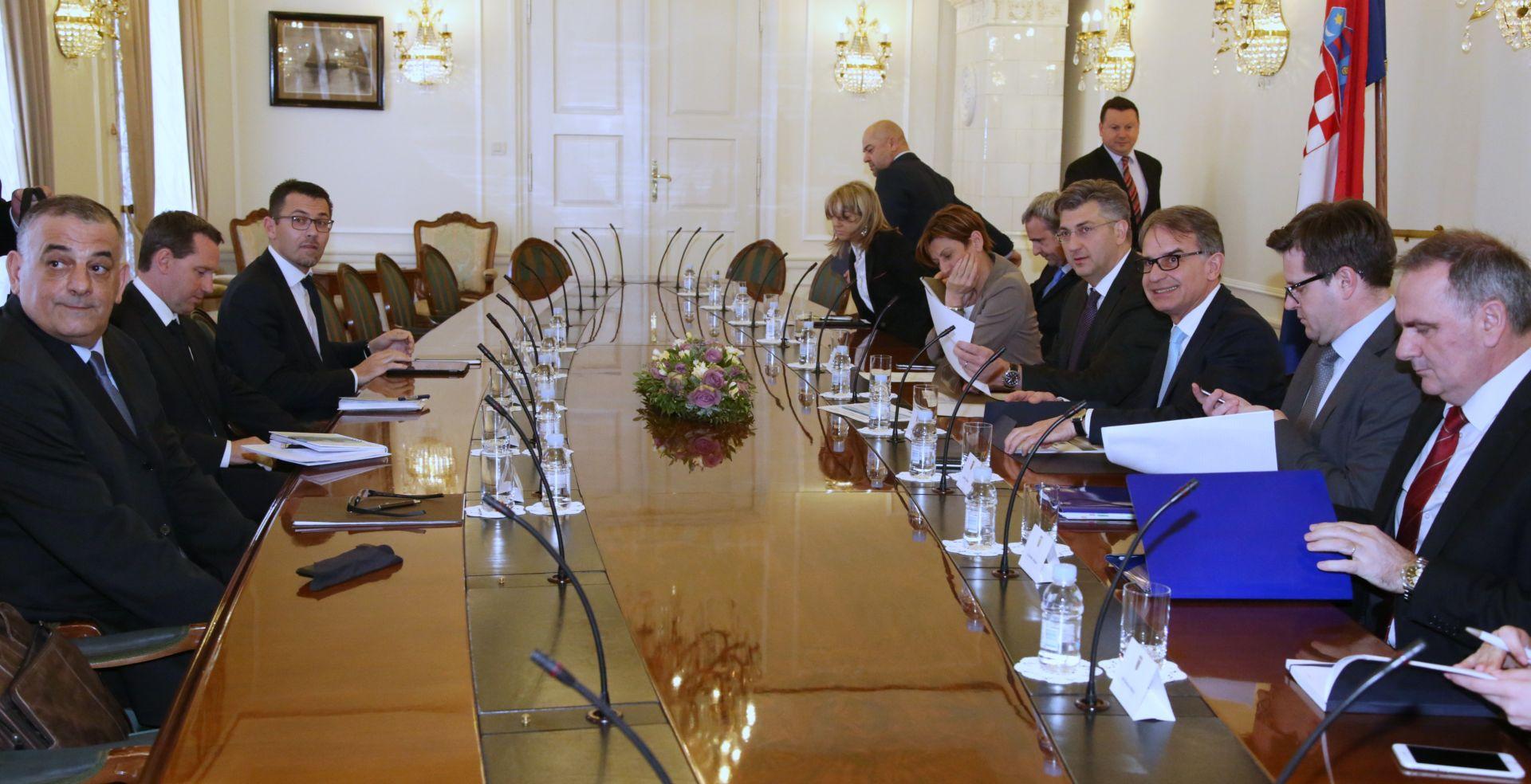 Sastanak premijera s hotelijerima: Vlada snažno podupire razvoj turizma