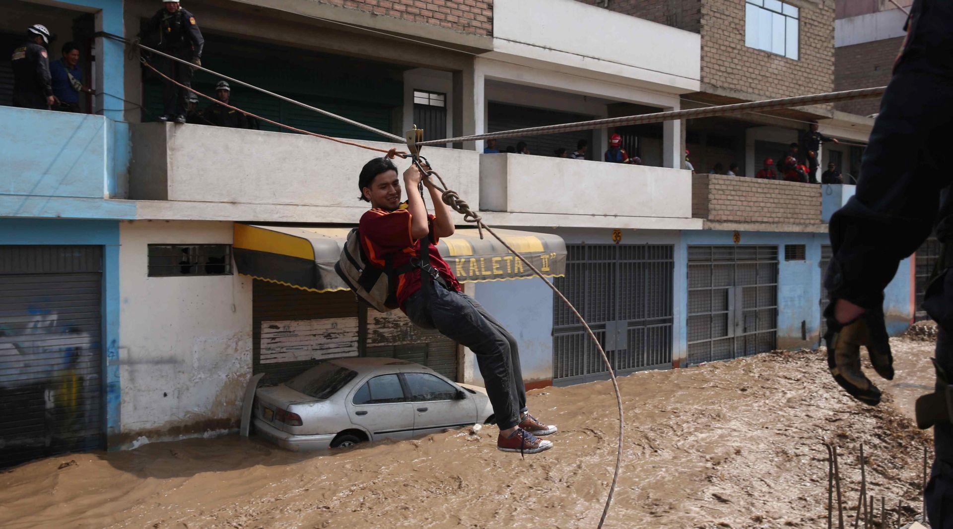 PERU Najmanje 72 osobe poginule u poplavama
