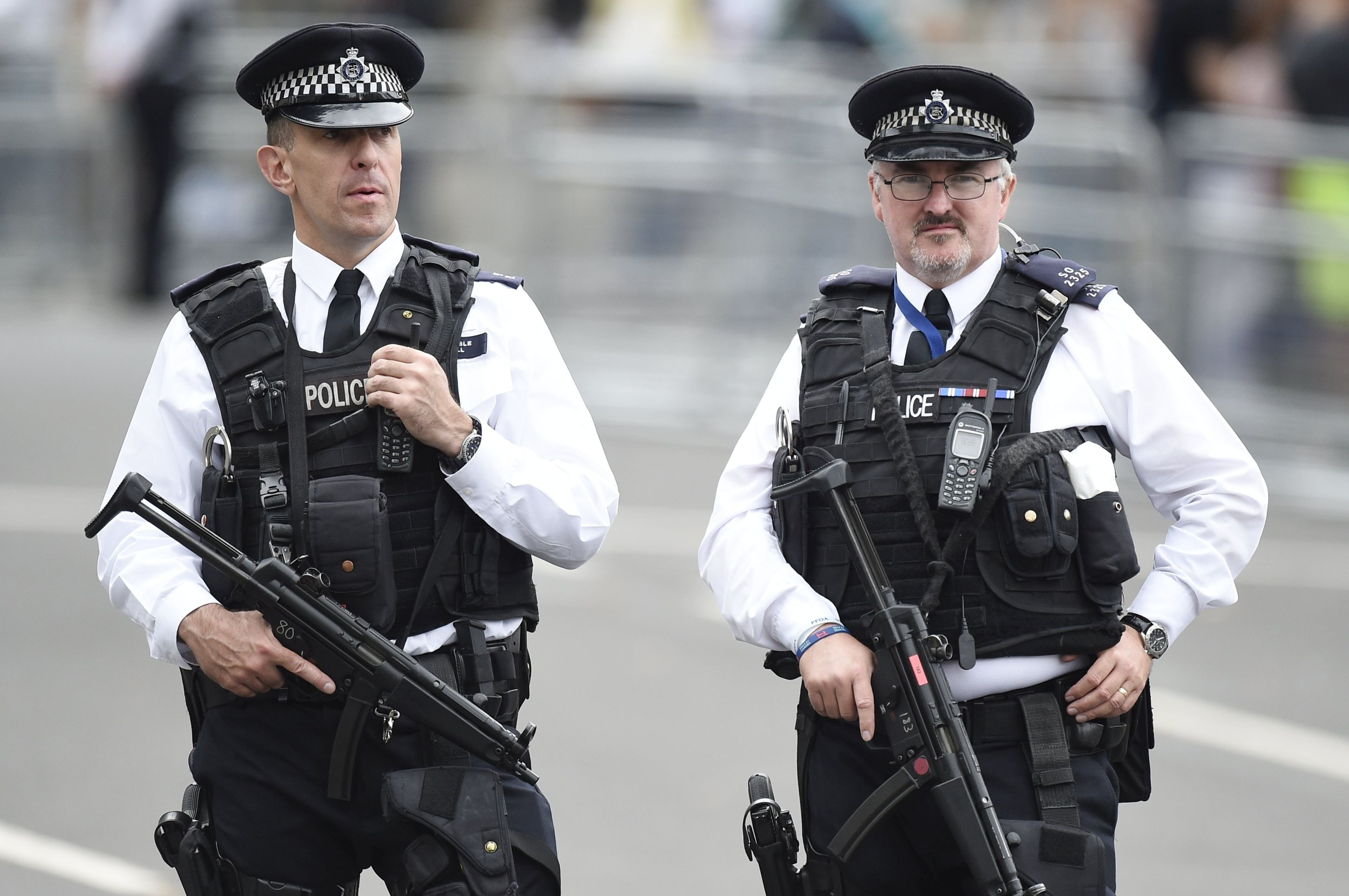 Dvije osobe upucane ispred britanskog parlamenta, 10 pregaženo automobilom