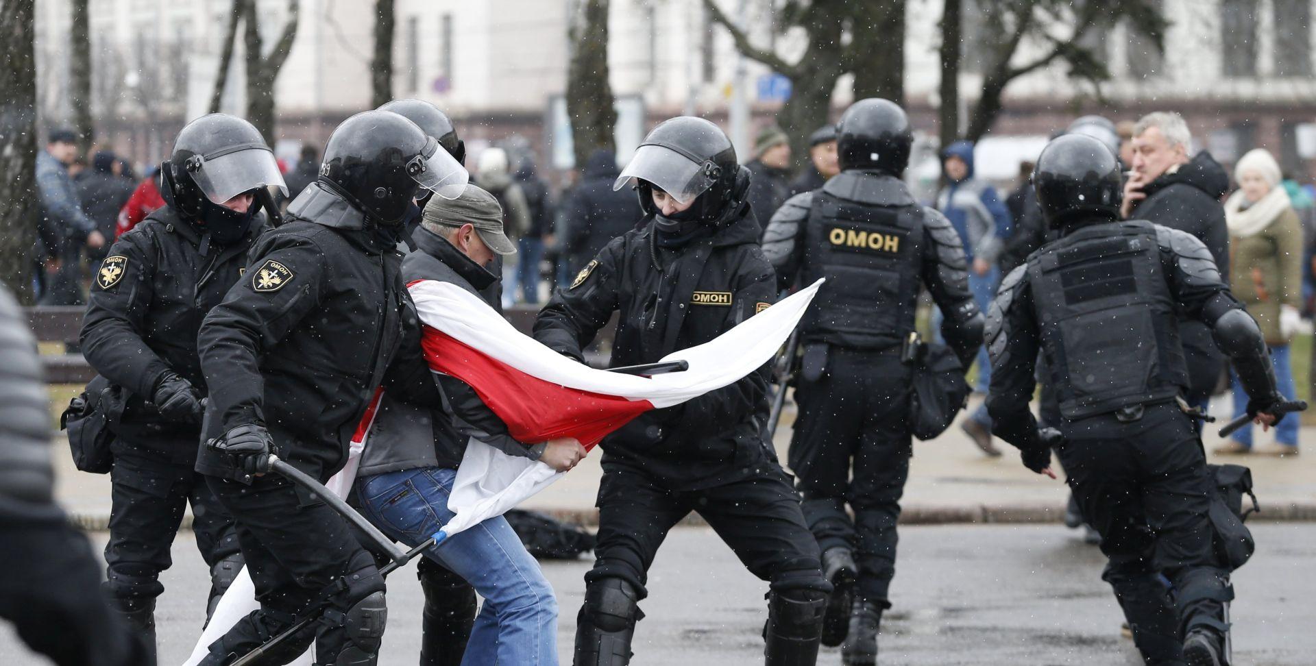 BJELORUSIJA Stotine prosvjednika osuđene na novčanu i zatvorsku kaznu