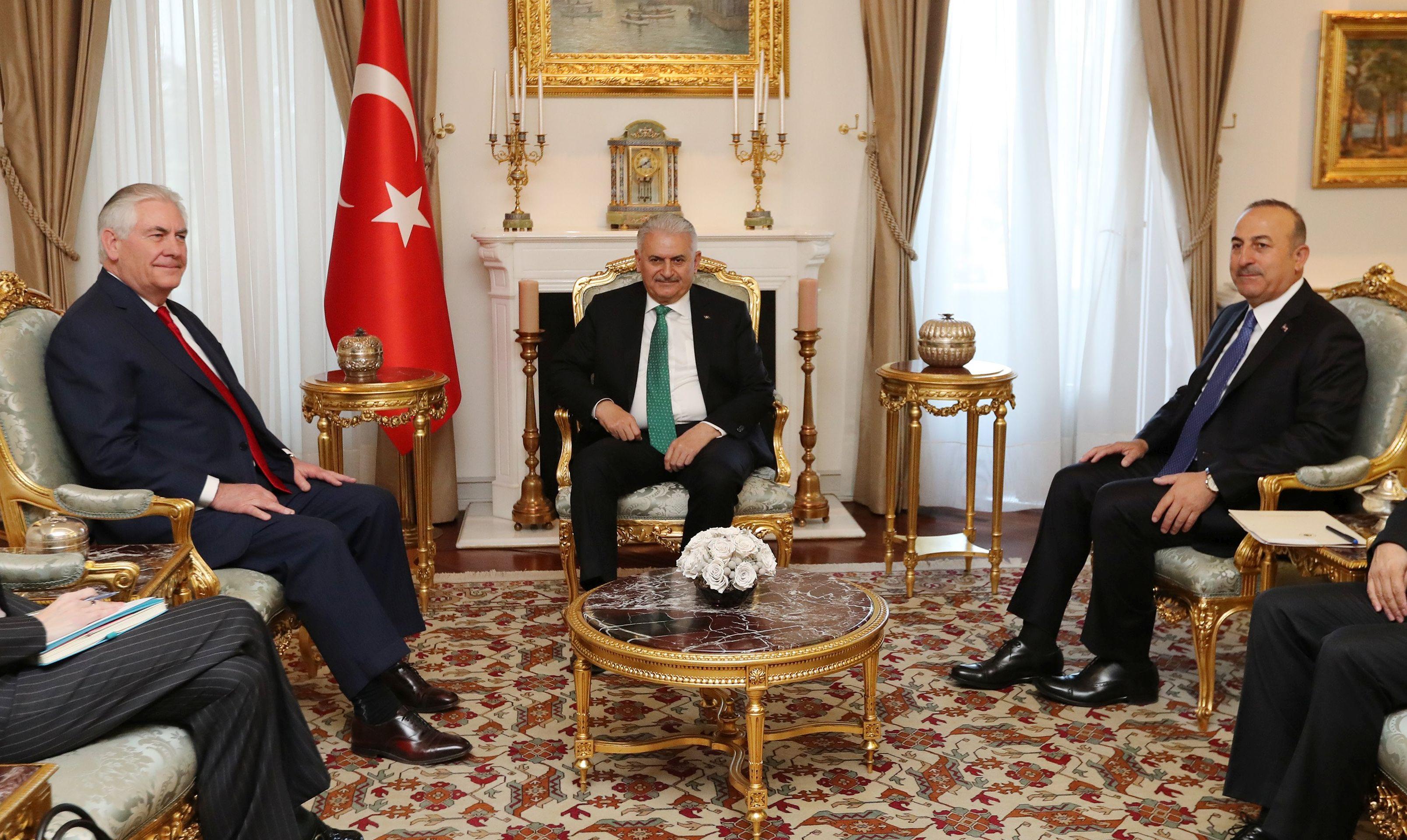 CAVUSOGLU TILLERSONU 'Turska očekuje konkretne poteze glede izručenja Gulena'