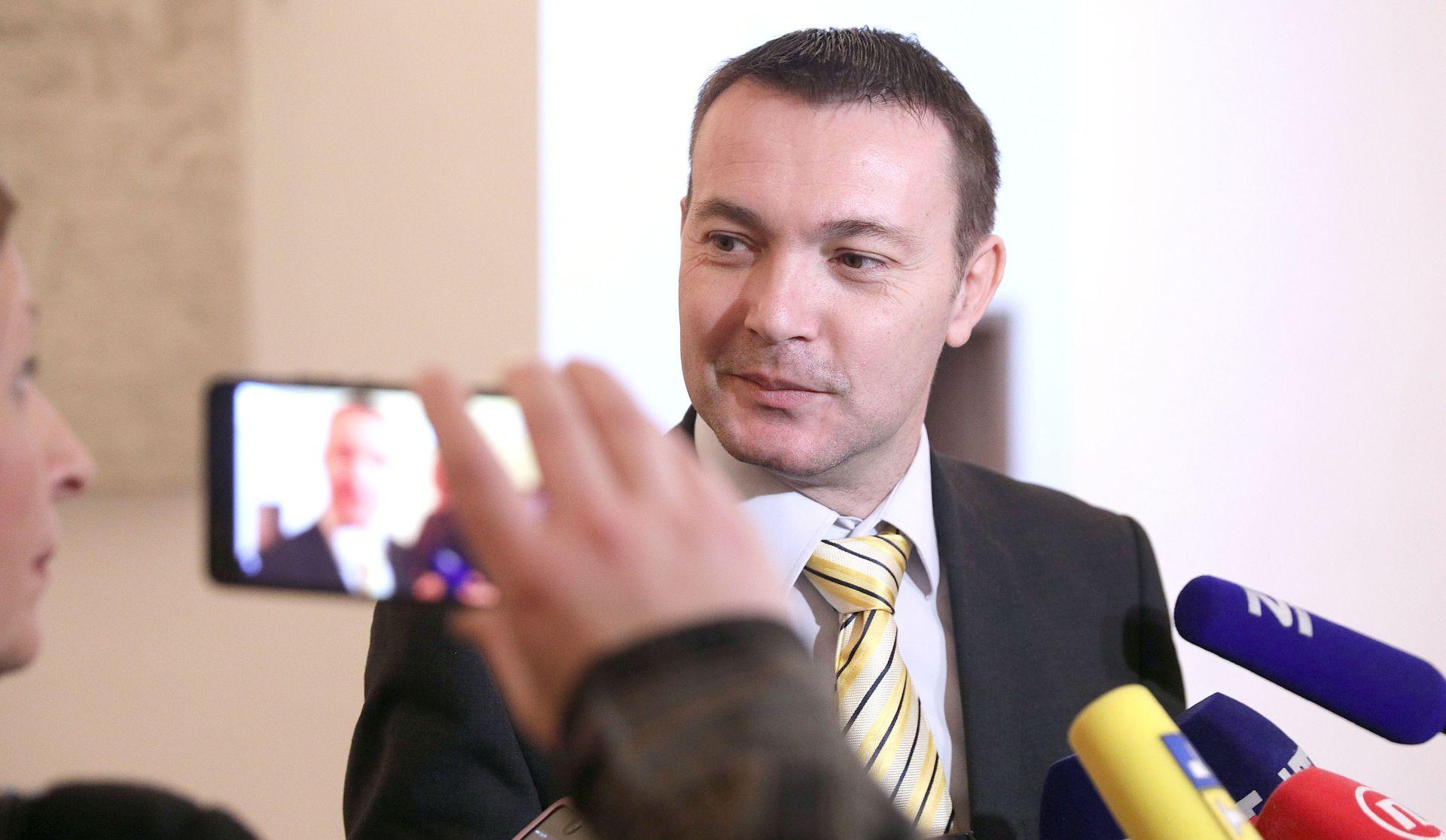 BAUK 'Ja sam platio Milanovićevu članarinu u SDP-u'