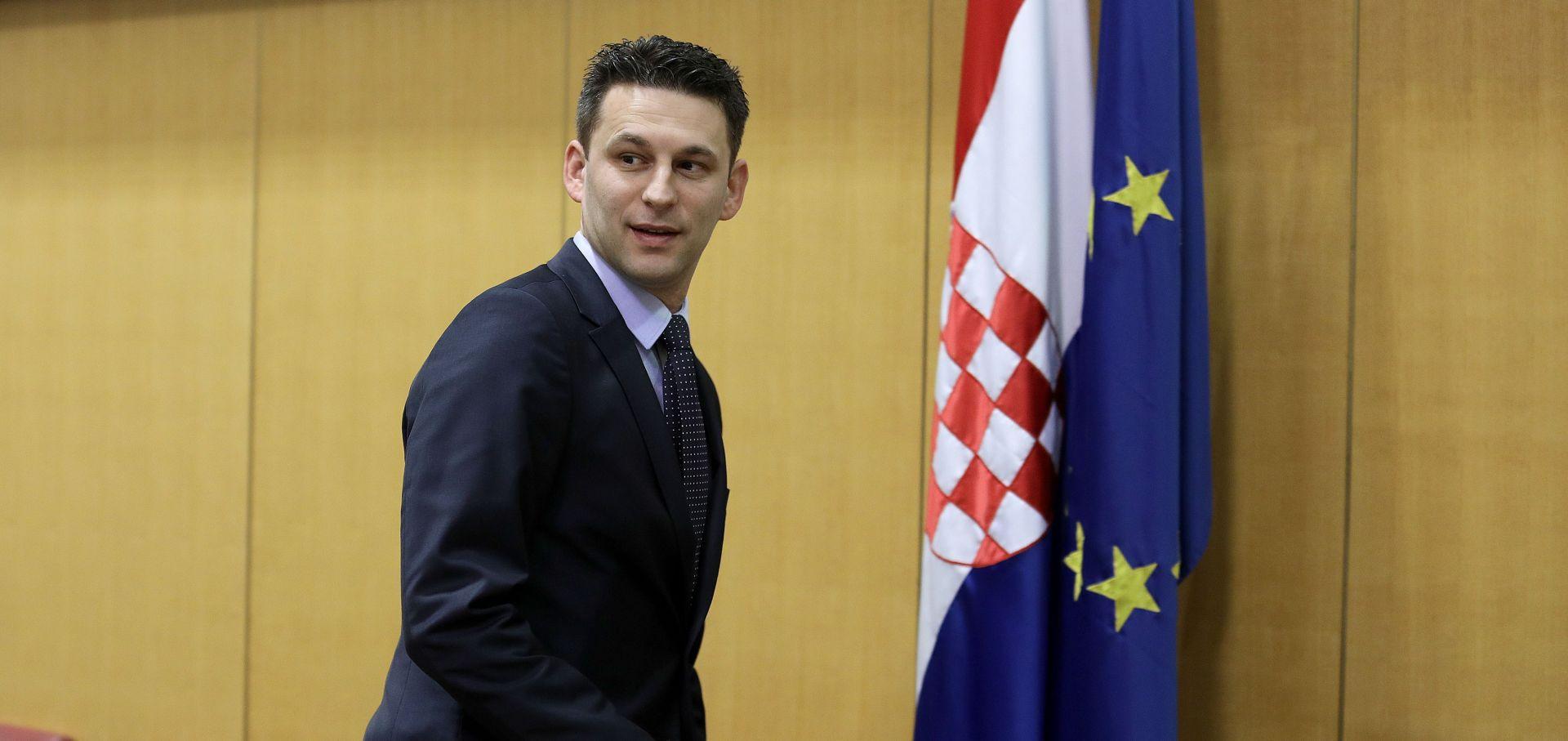 PETROV 'Hrvatska neće sudjelovati u sramotnoj arbitraži'