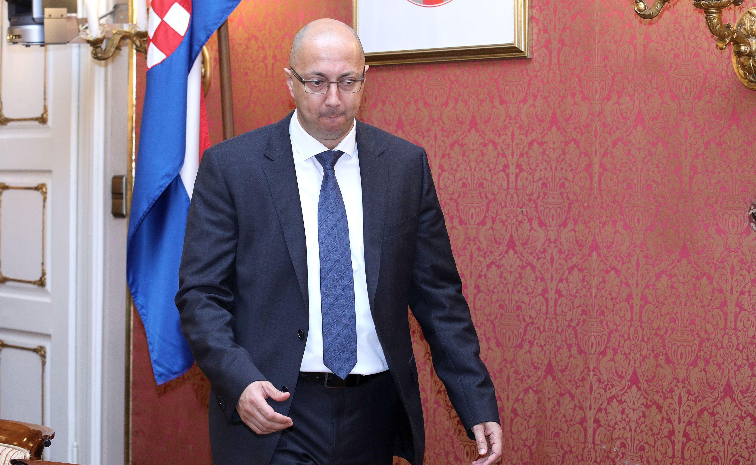 Plenković smijenio Kovačića