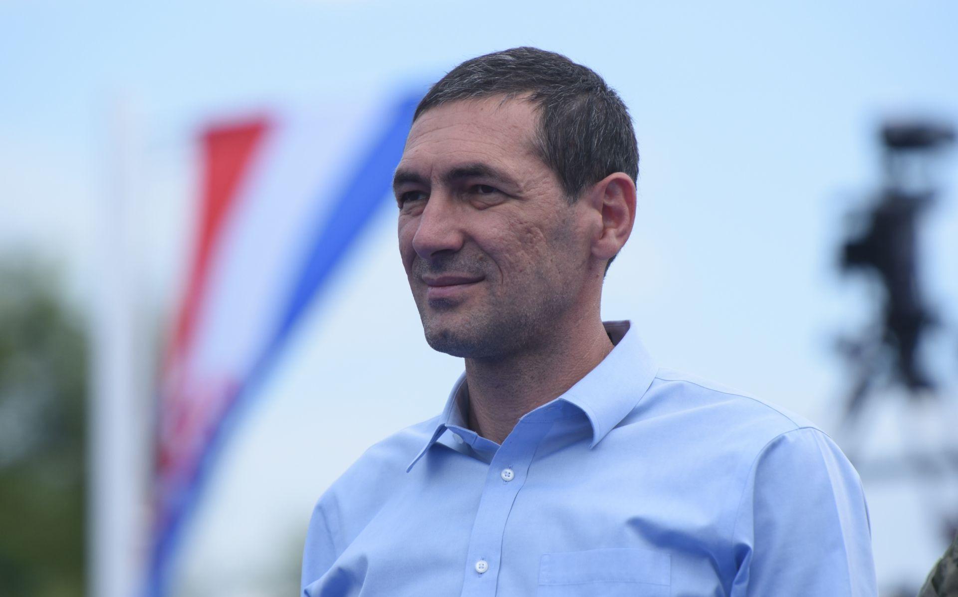 ANTE KOTROMANOVIĆ O KRSTIČEVIĆU 'Ministar uvrijeđena frajla ostaje'