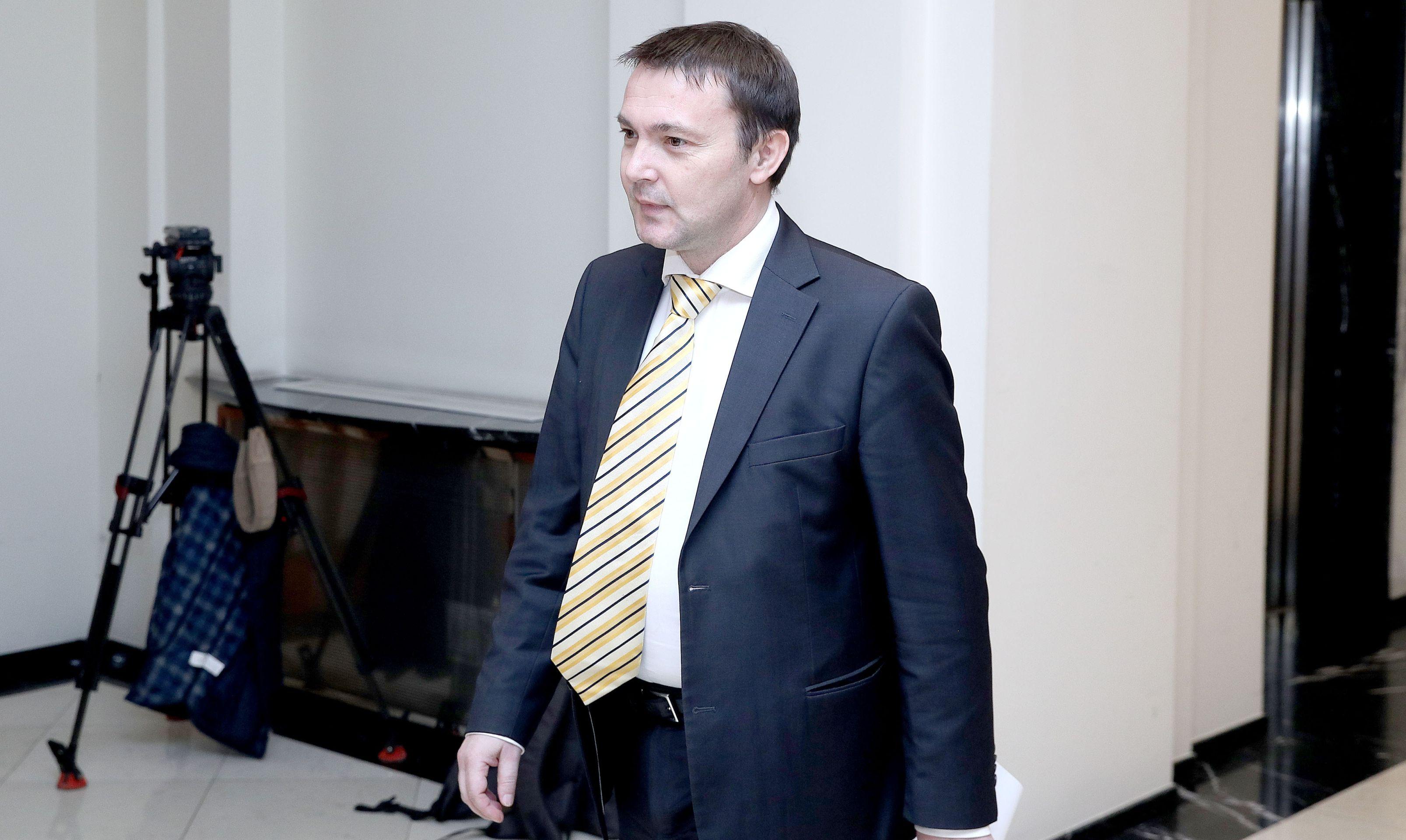 Arsen Bauk pozvao Orepića da preventivno zabrani skupove 10. travnja