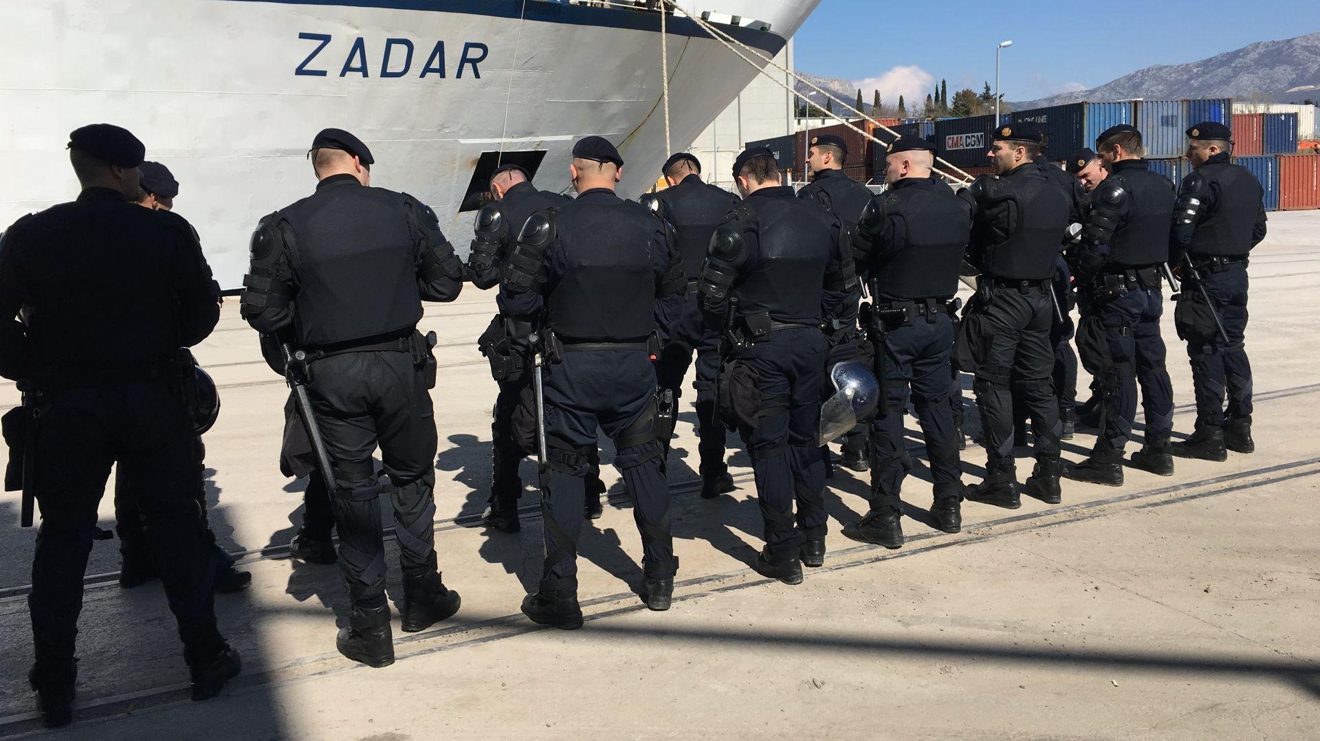 SPLIT Armada trajektom stigla u Split, putovanje proteklo bez izgreda