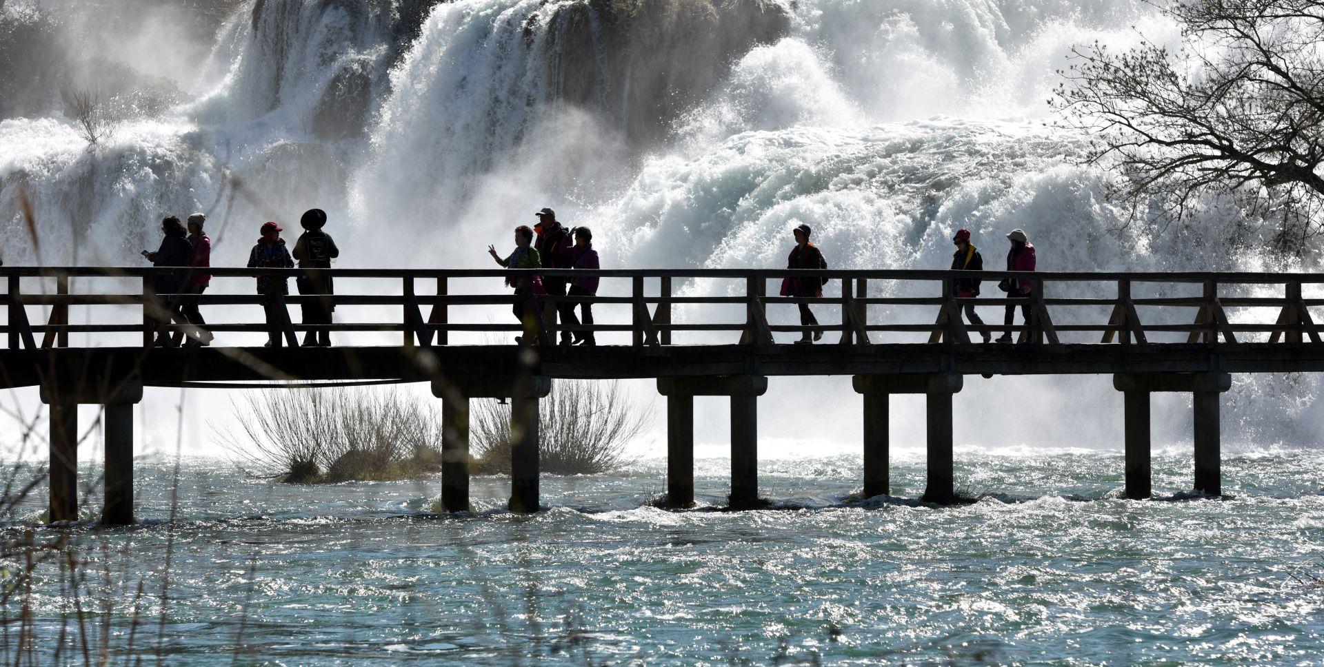 DJELOMIČNO SUNČANO U Hrvatskoj i dalje iznadprosječno toplo