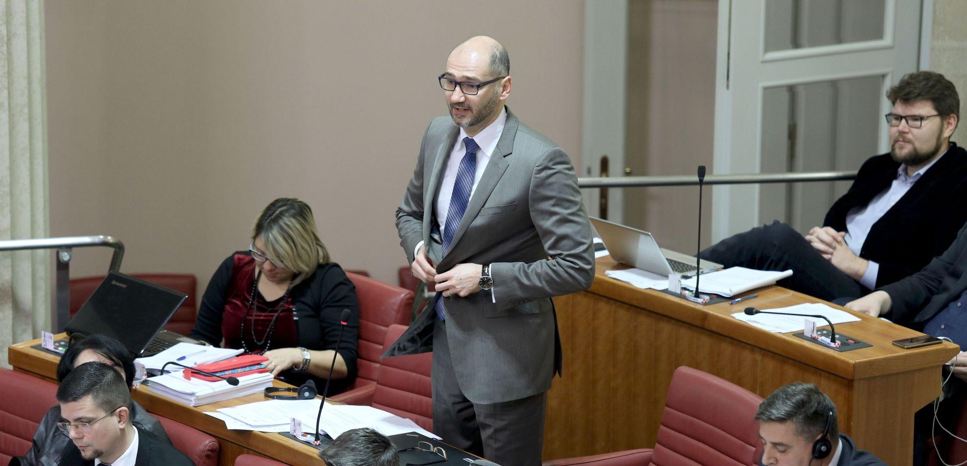 Klisović (SDP): Sabor treba EK objasniti razloge povlačenja RH iz arbitraže sa Slovenijom