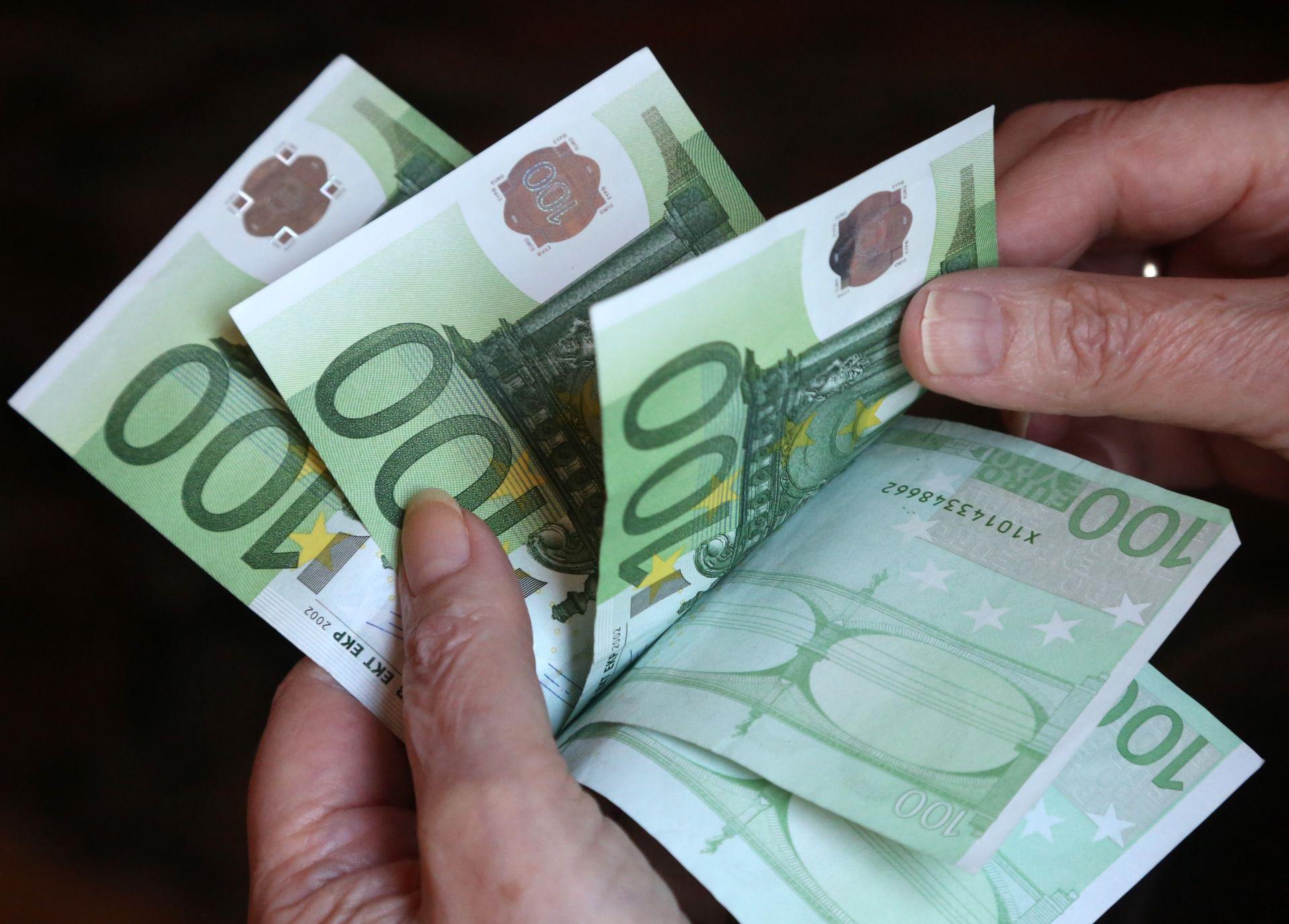 """DELO"" Nekoliko slovenskih banaka registriralo rusko pranje novca"