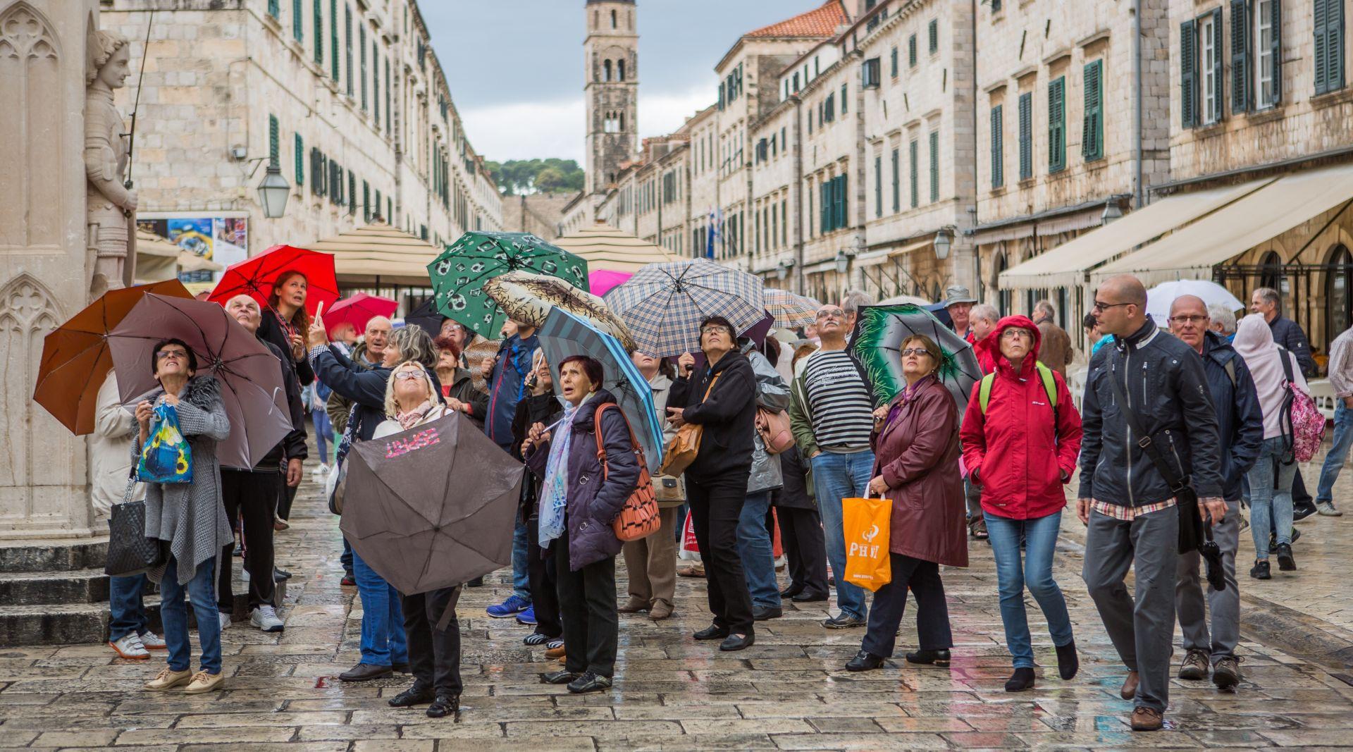 Obilna kiša u Dalmaciji, u gorju moguć i slab snijeg