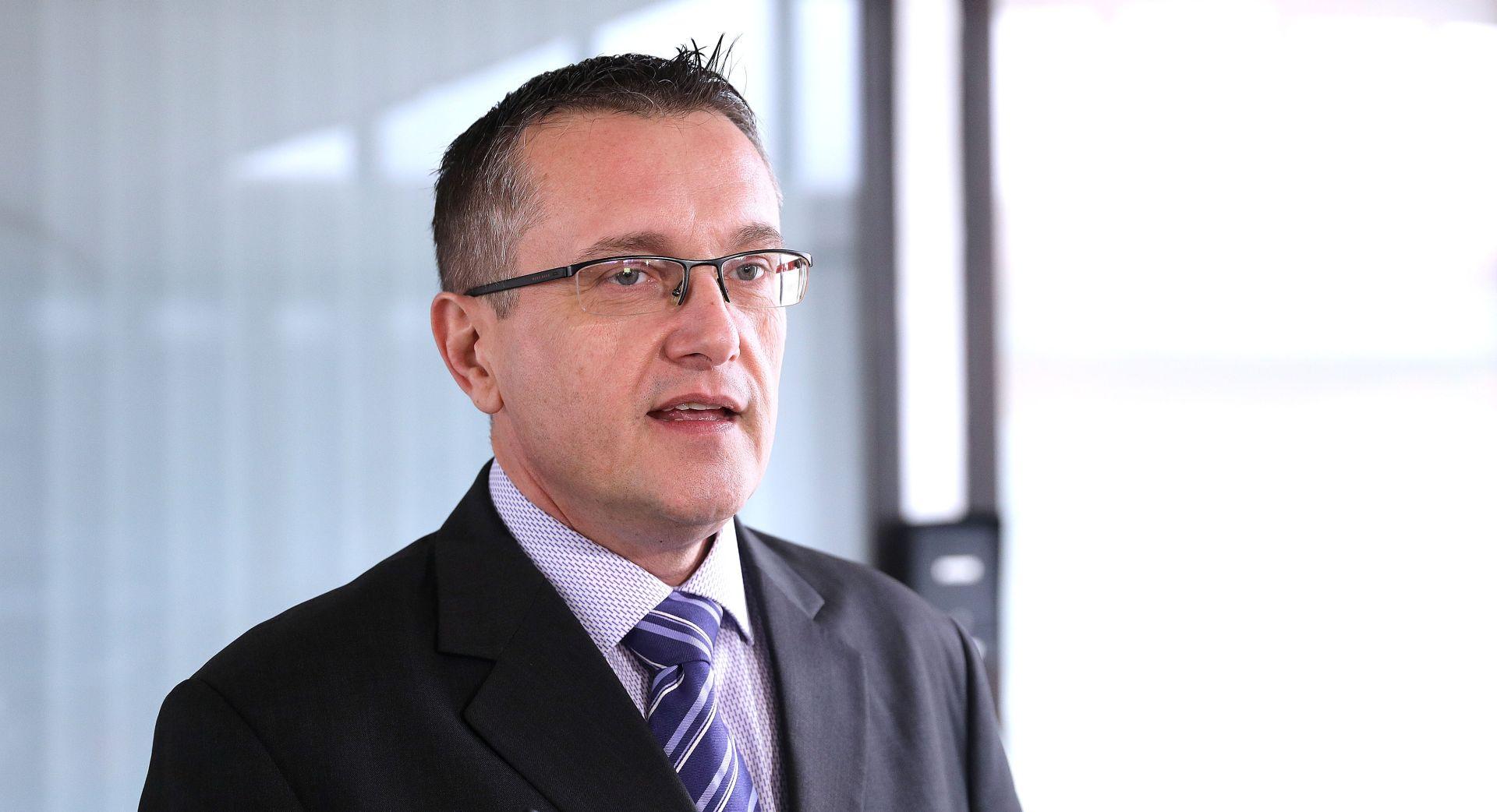 """HNS O POREZU NA NEKRETNINE 'HDZ uvodi porez koji je ranije zvao """"brutalnim napadom na Hrvate""""'"""