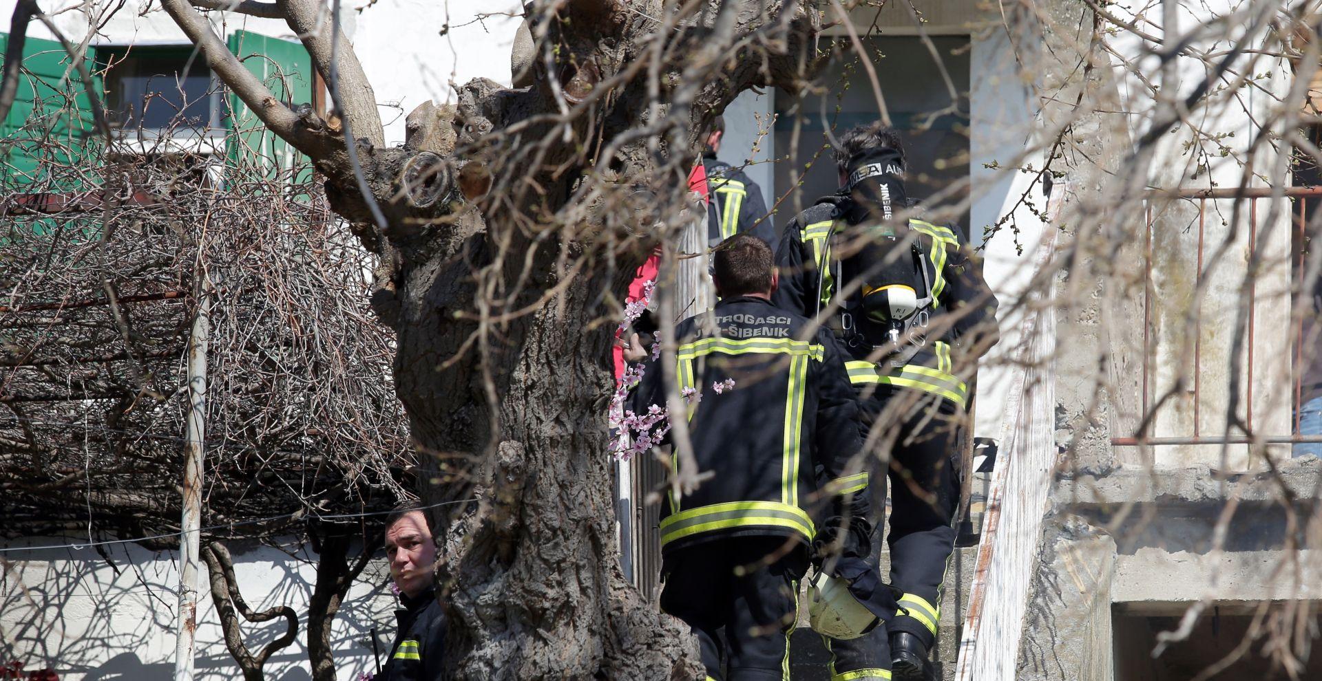 ŠIBENIK Jedna osoba smrtno stradala u požaru obiteljske kuće