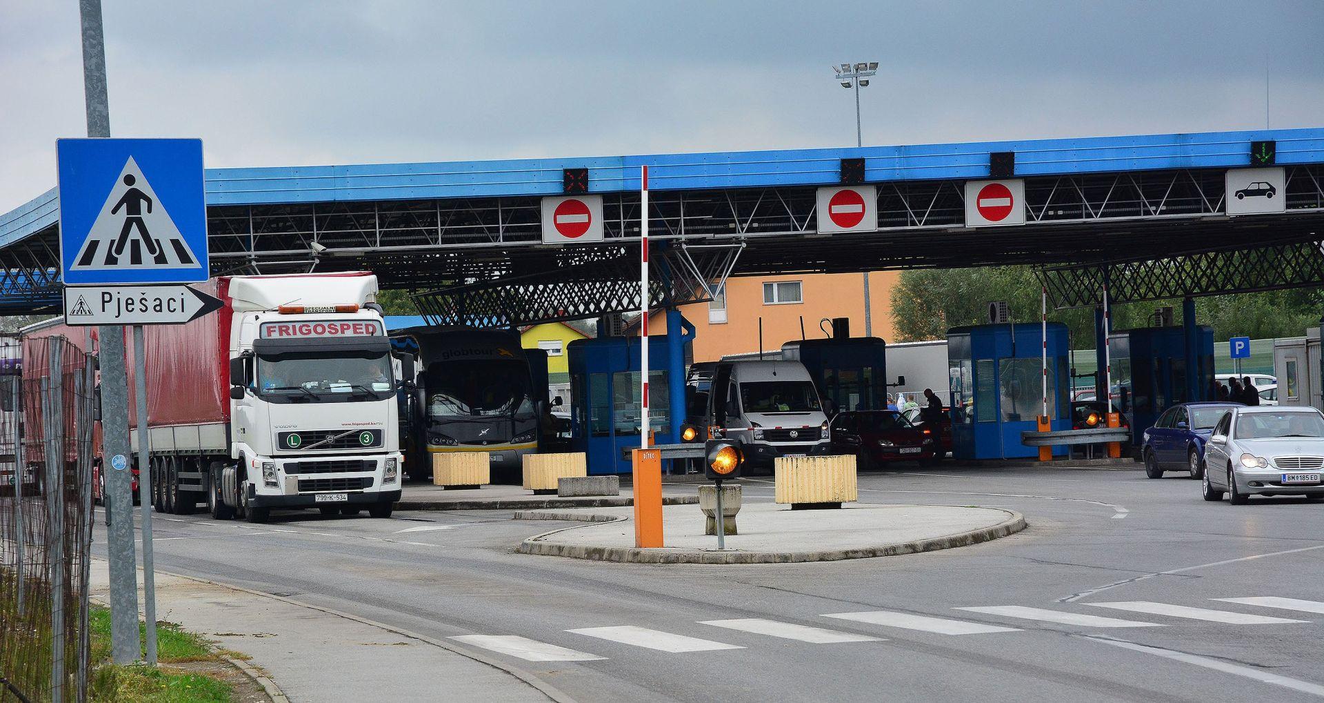 BAJAKOVO Državljanin Srbije uhićen s oružjem i 50 tisuća tableta