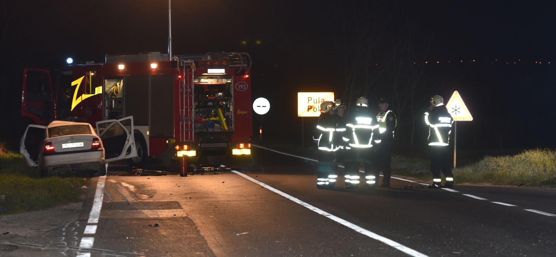 PULA U teškoj prometnoj nesreći poginuo 20-godišnjak, teško ozlijeđene tri djevojke