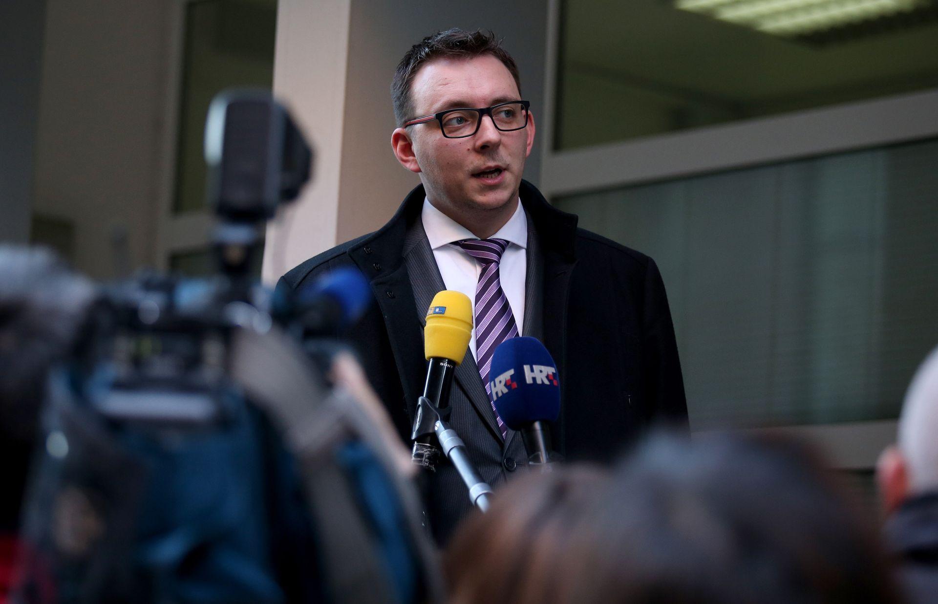 """GLAVAŠEVIĆ: Uniformirani naoružani policajci na Hrvatskim studijima """"izazivaju mučninu"""""""