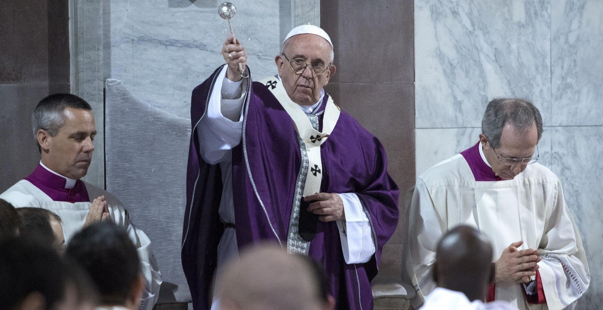Papa spreman razmotriti zaređivanje oženjenih muškaraca
