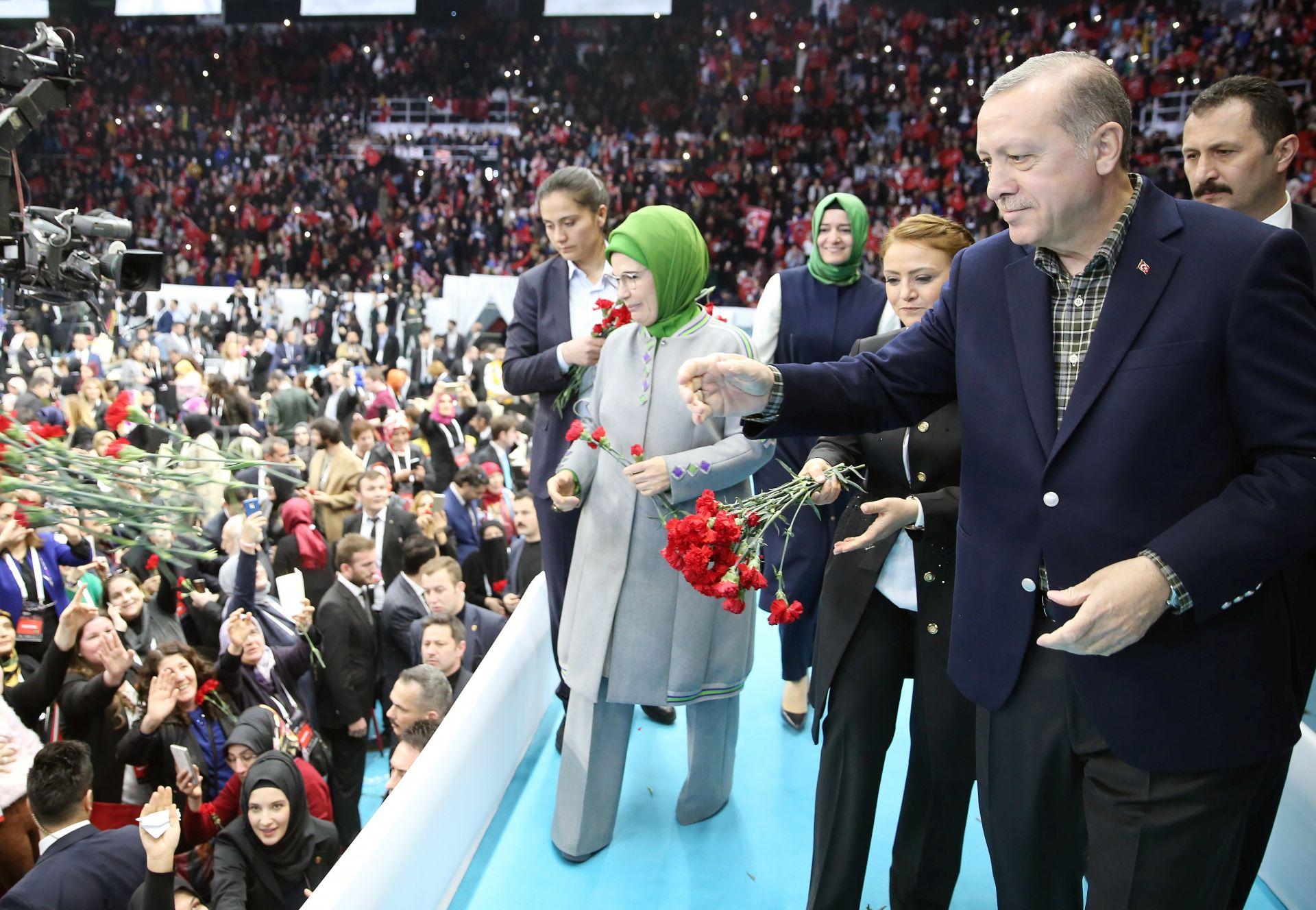 "POTICANJE ""NACISTIČKE PRAKSE"": Njemački ministar odbacuje Erdoganove optužbe"