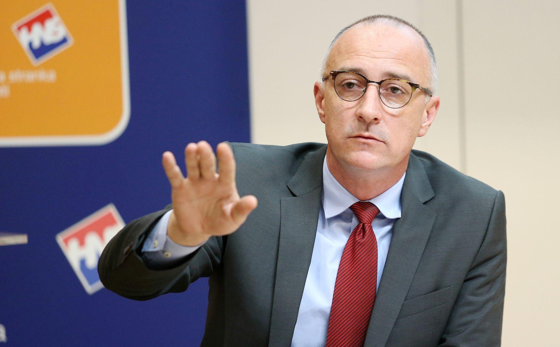 HNS 'Ljude stvarno ne zanimaju međusobni sukobi političara i njihovih ega'