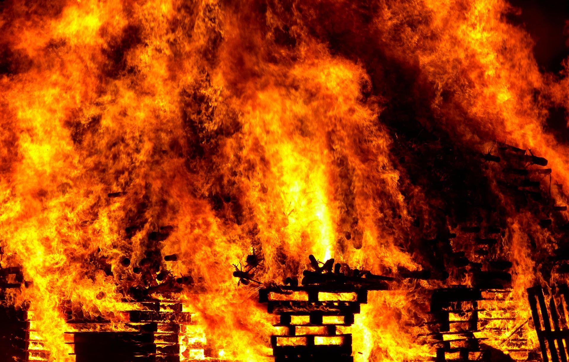 BOSNA U požaru drvene vikendice poginula dva muškarca i 12-godišnji dječak