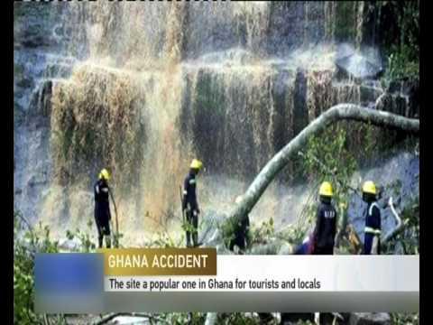 NESREĆA U GANI: Stablo usmrtilo najmanje 18 ljudi ispod vodopada