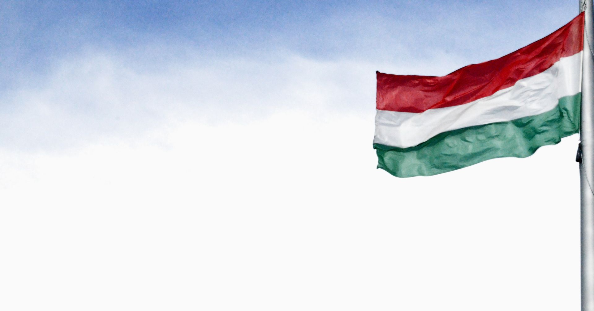 U Mađarskoj stupila na snagu odluka o zatvaranju migranata, EU poziva na poštovanje načela