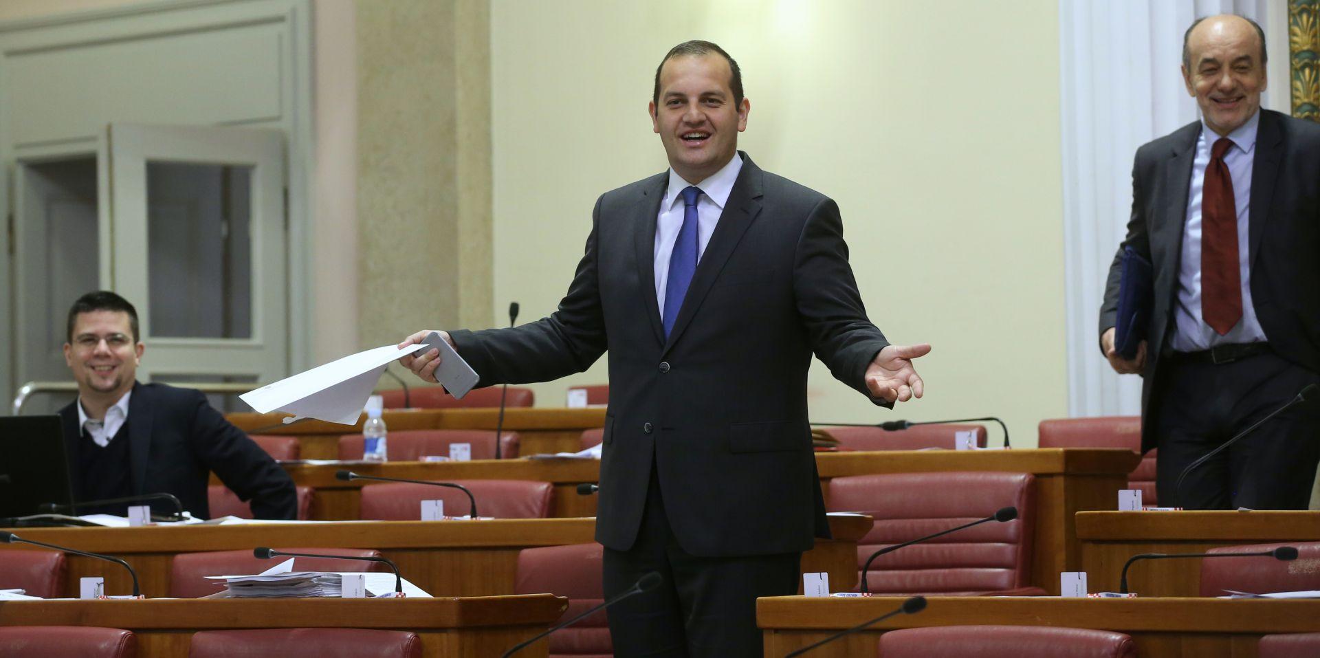 'TAJ ČOVJEK NAM NE PRIPADA': SDP-ovci za dogradonačelnika Šibenika kandidirali HDZ-ovca