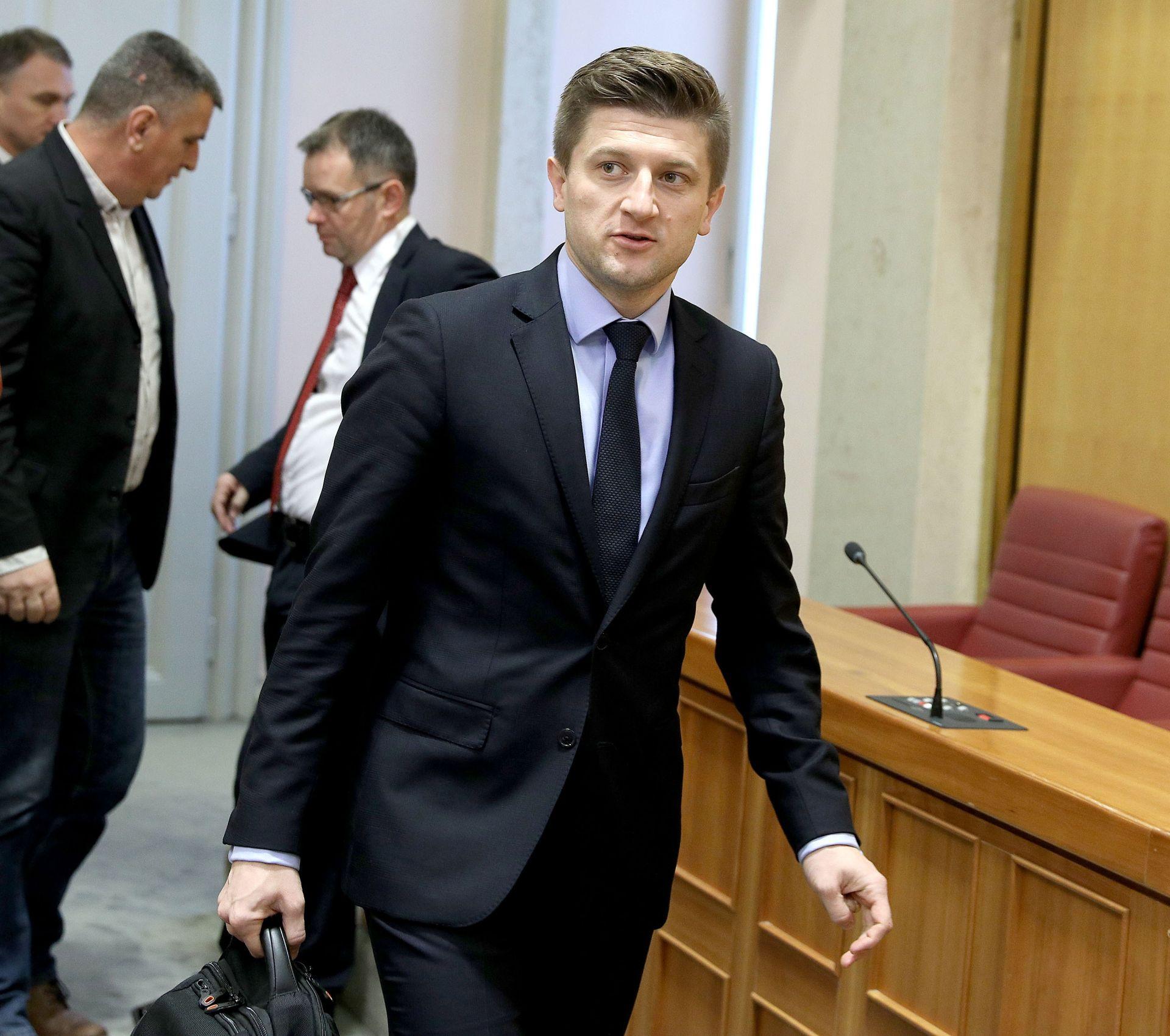 MARIĆ: 'Od 1. siječnja 2018. uvodi se porez na nekretnine, uskoro i rješavanje problema blokiranih'