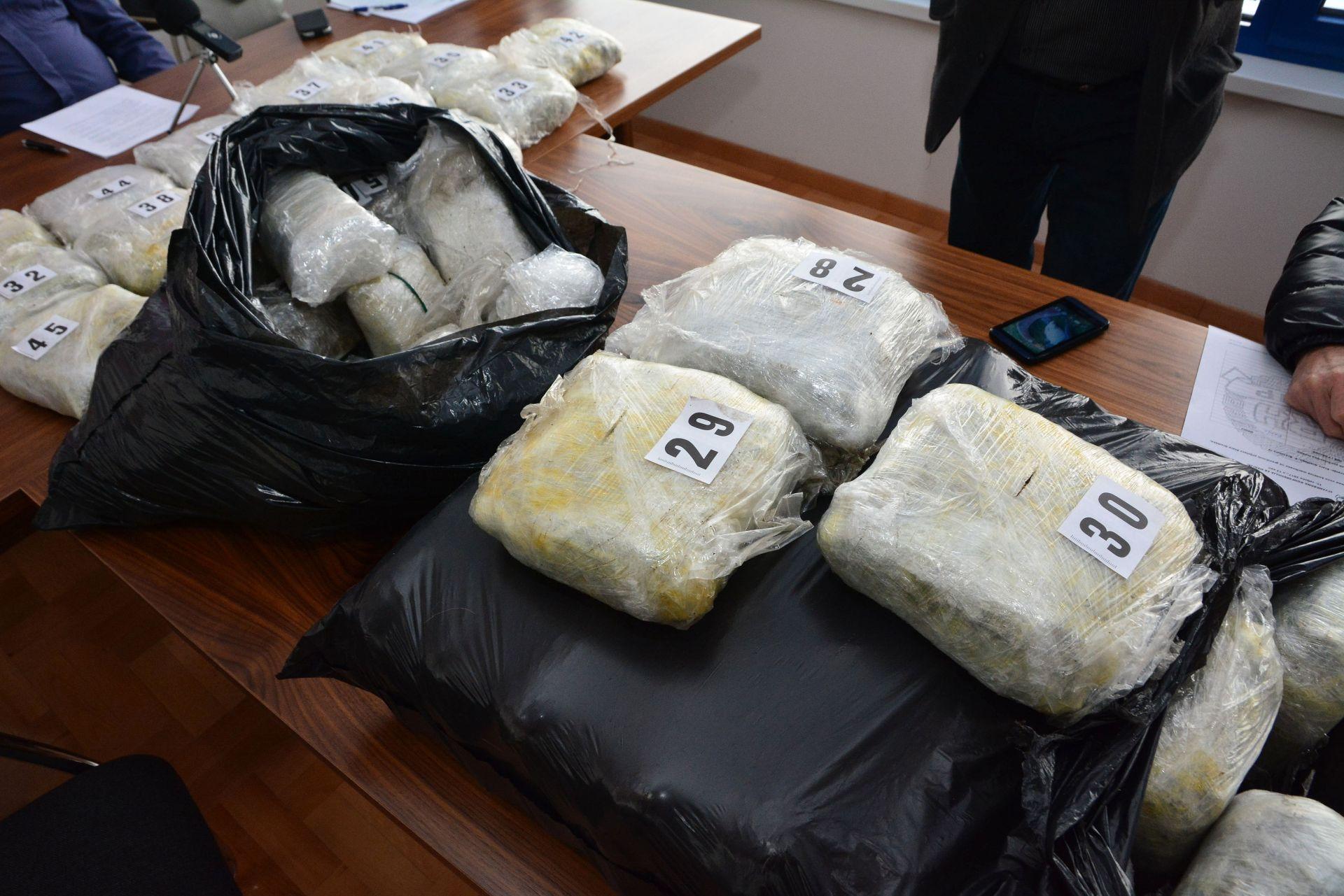 ISTRAGA U TIJEKU: U moru oko Dubrovnika dosad pronađeno 267 kg marihuane