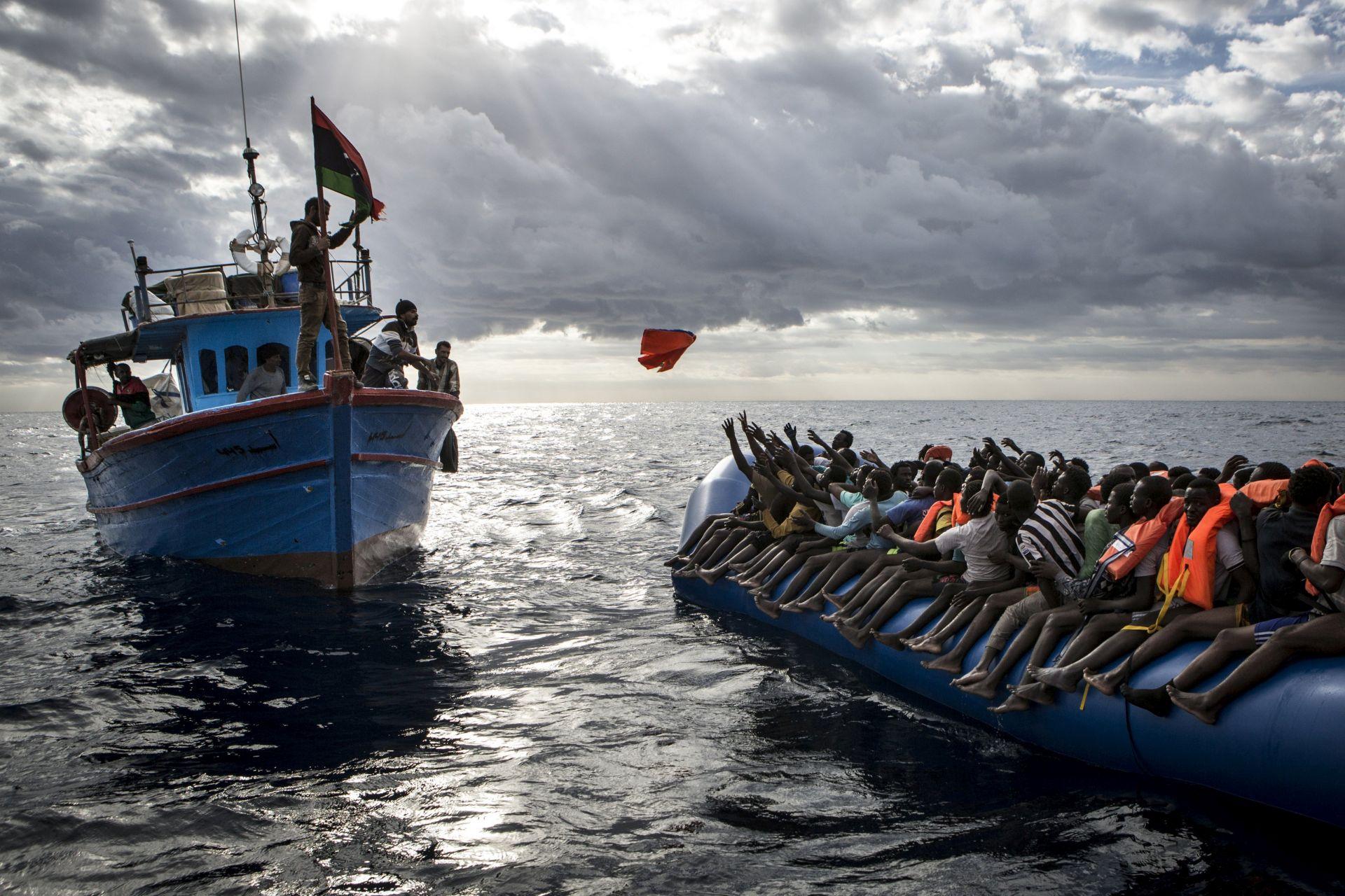 Broj migranata u Europu se prepolovio