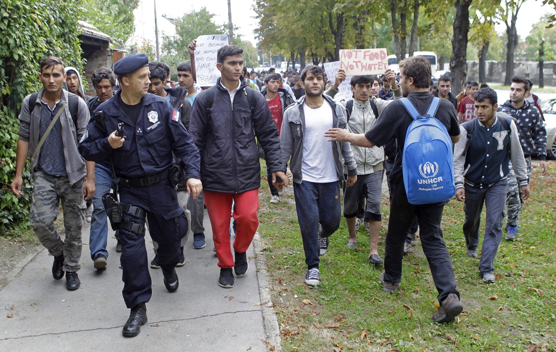 A KAMPOVI VEĆ KRCATI Njemačka će opet vraćati migrante u Grčku
