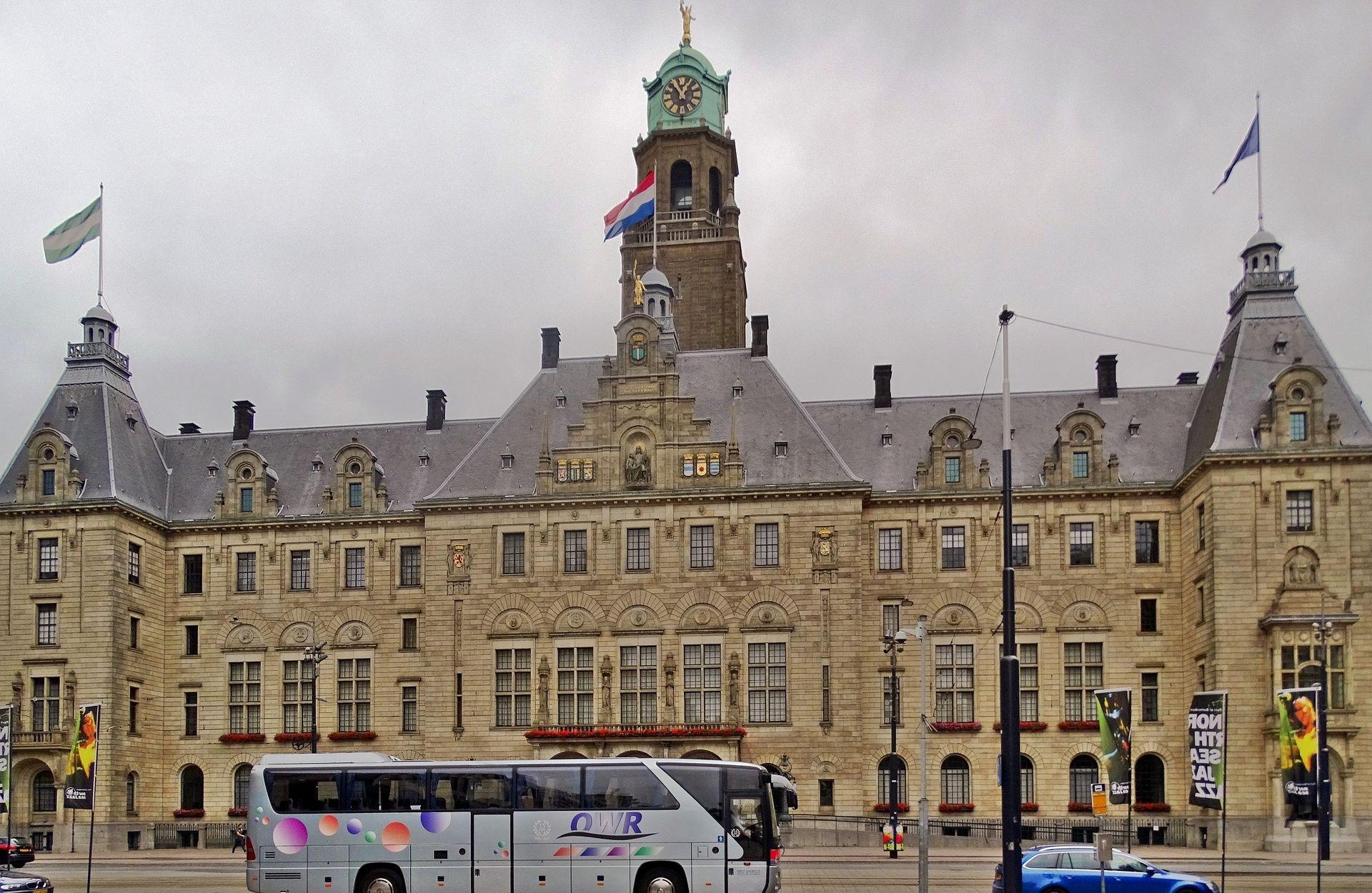 Aktivist se pokušao ubiti u nizozemskom parlamentu