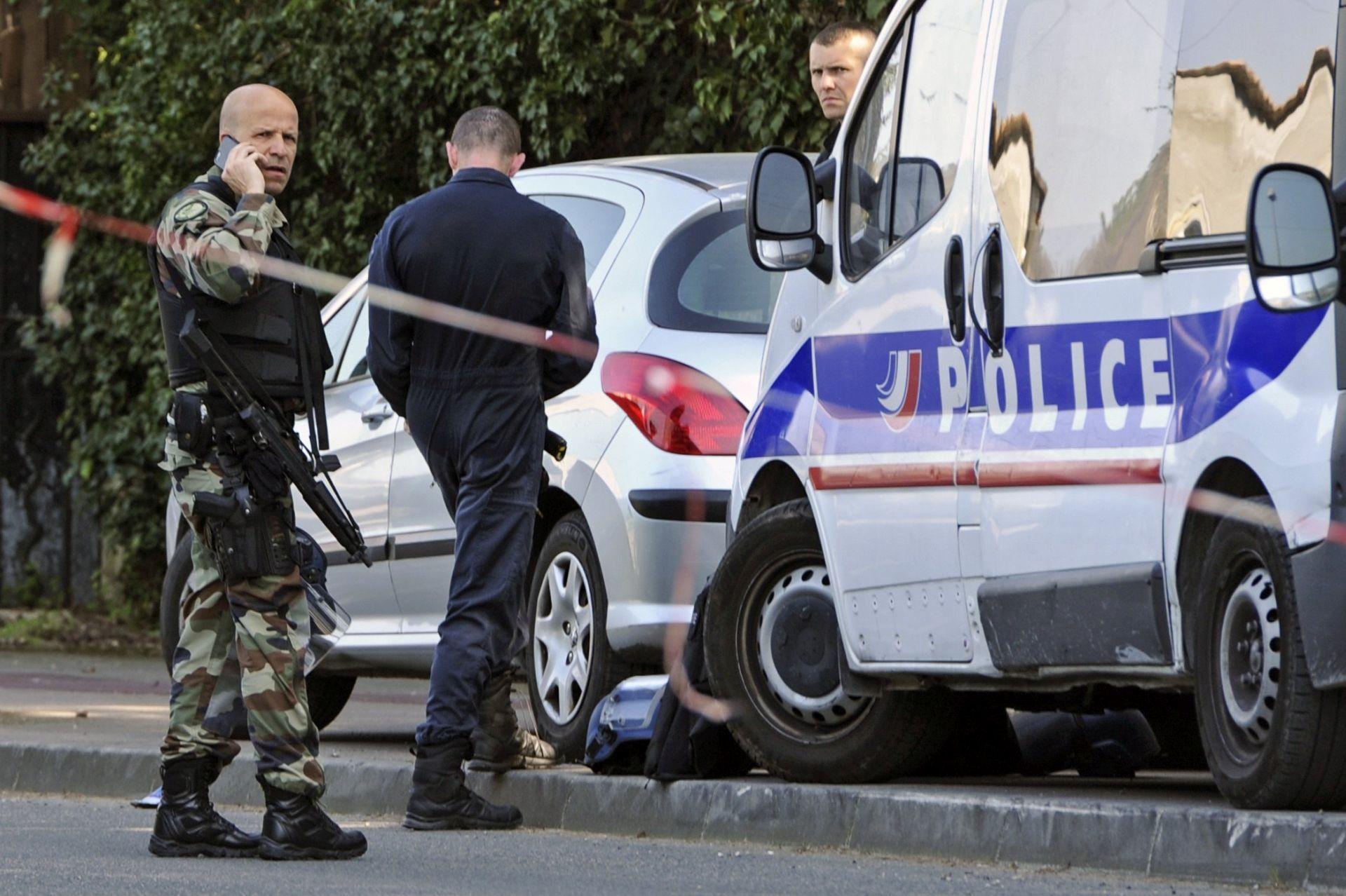 PARIZ Jedna osoba ubijena u napadu nožem, napadač ubijen