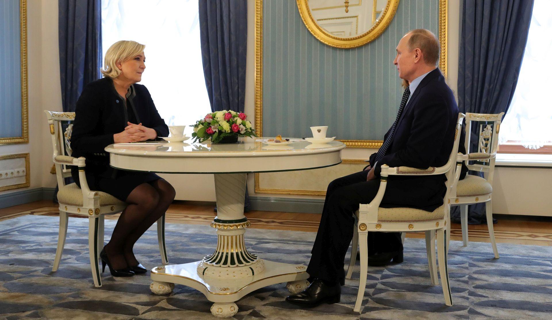PRIJEM U KREMLJU: Putin dao snažan poticaj Marine Le Pen