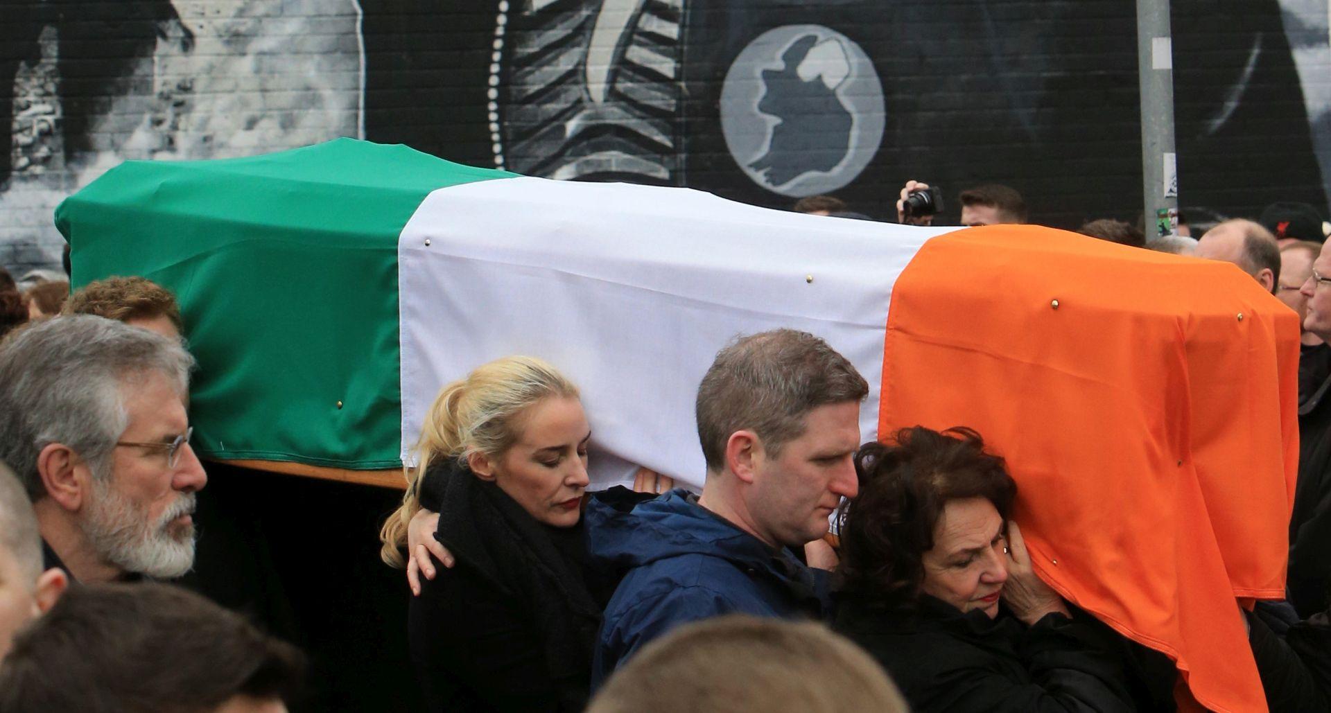 Tisuće ljudi na sprovodu Martina McGuinnessa u Derryju