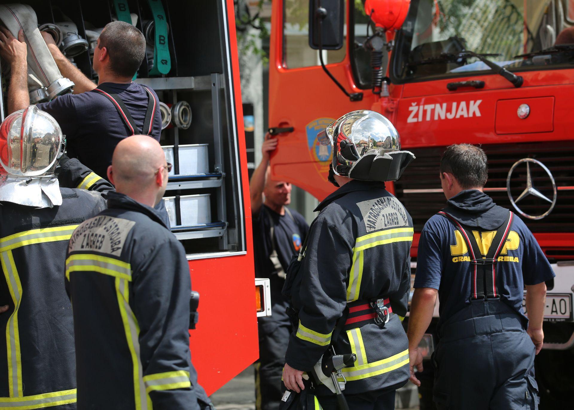 JEDNA OSOBA LAKŠE OZLIJEĐENA: Požar u zgradi na zagrebačkom Jarunu