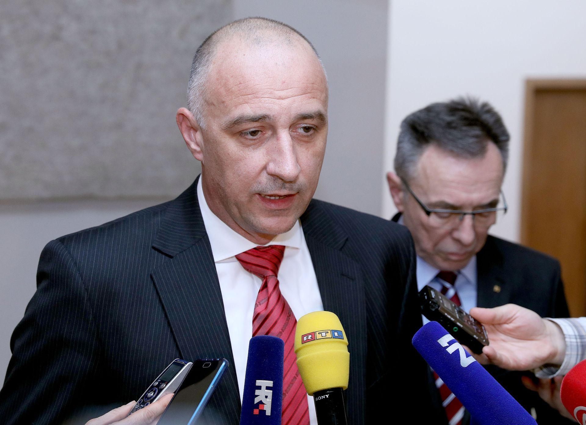 """PUCA BRAK HNS – HDZ?: """"Znakovito je da državni tajnik istupa kad ministrice nema u Hrvatskoj"""""""