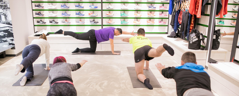 FOTO: 42.2 RUNNING STORE Yoga za trkače svakog četvrtka u Frankopanskoj 2a