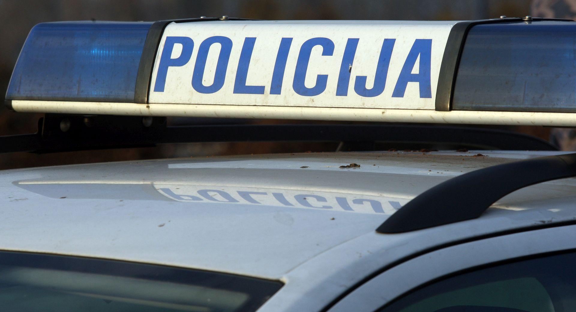 Teška prometna nesreća kod Pirovca, jedna osoba poginula