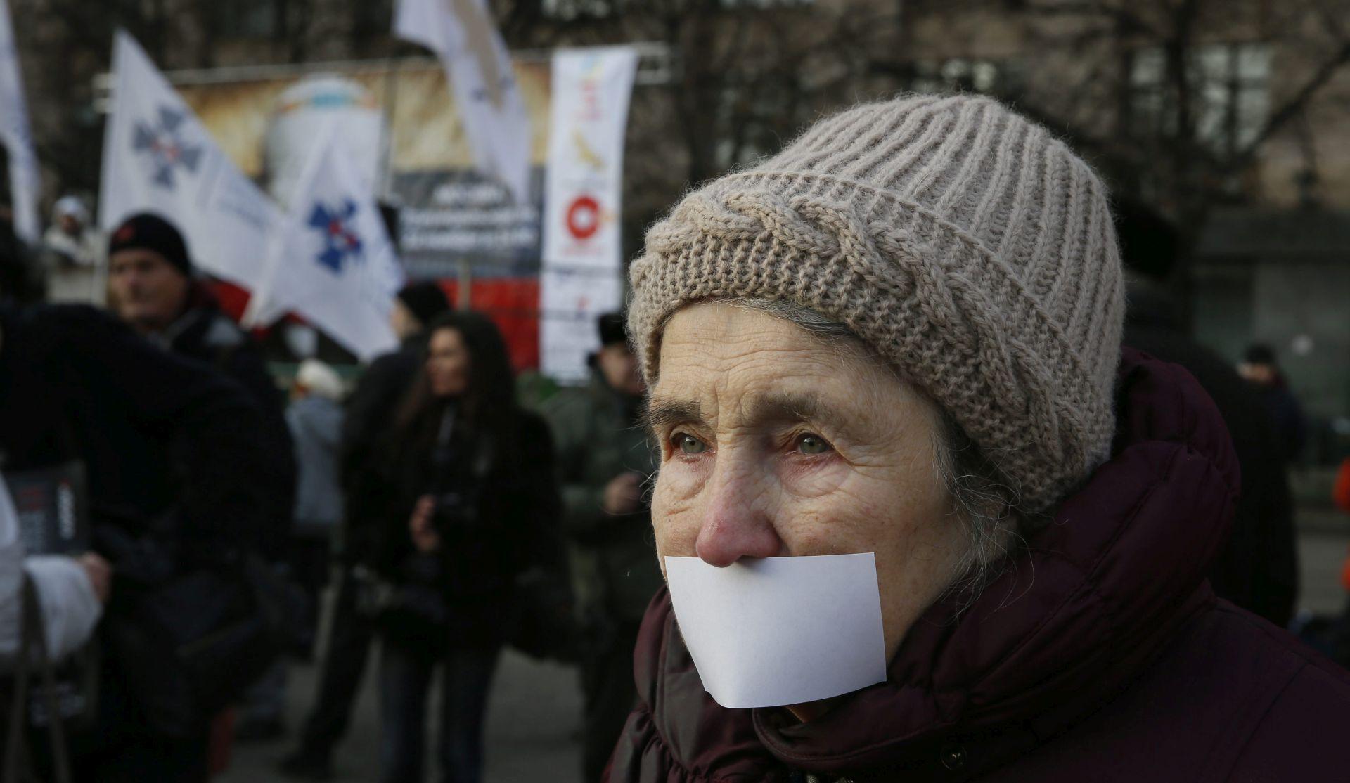 Sloboda medija u svijetu pada, hrvatski mediji djelomično slobodni