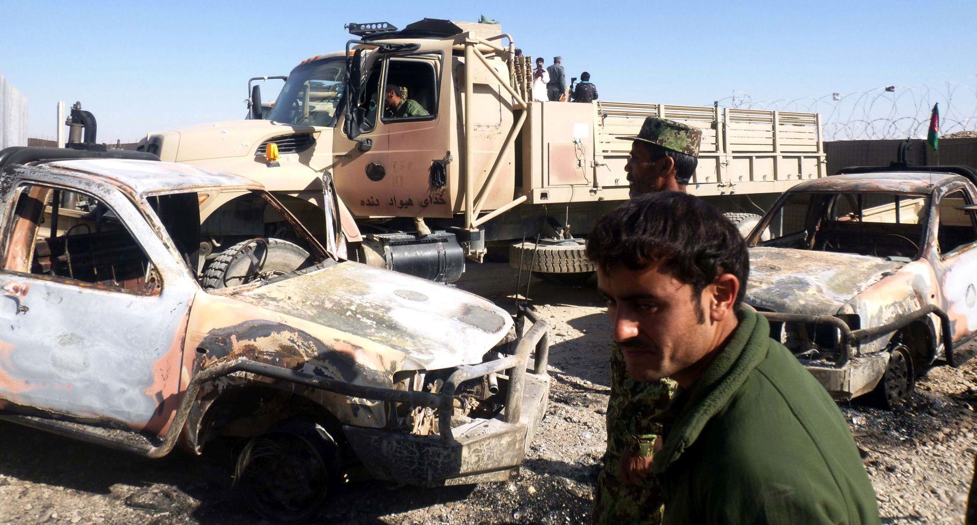 U talibanskom napadu na vojnu bazu u Afganistanu 50 mrtvih i ozlijeđenih