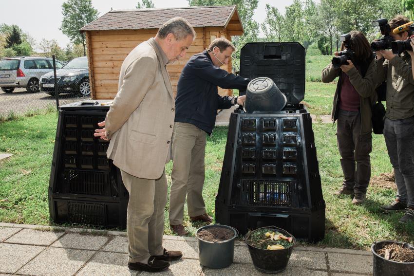 Zagrepčani dobivaju besplatne kućne kompostere