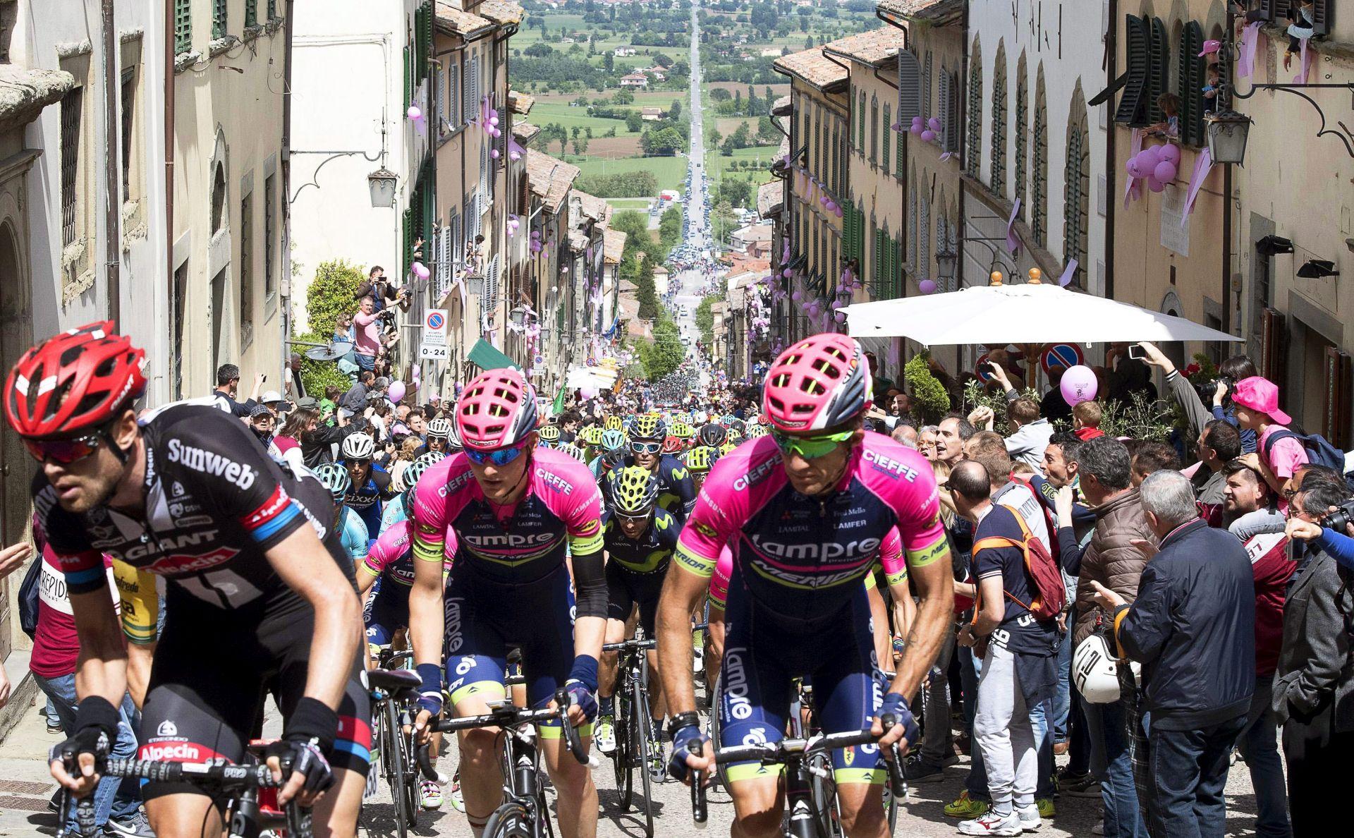 Poginuo talijanski biciklist Michele Scarponi