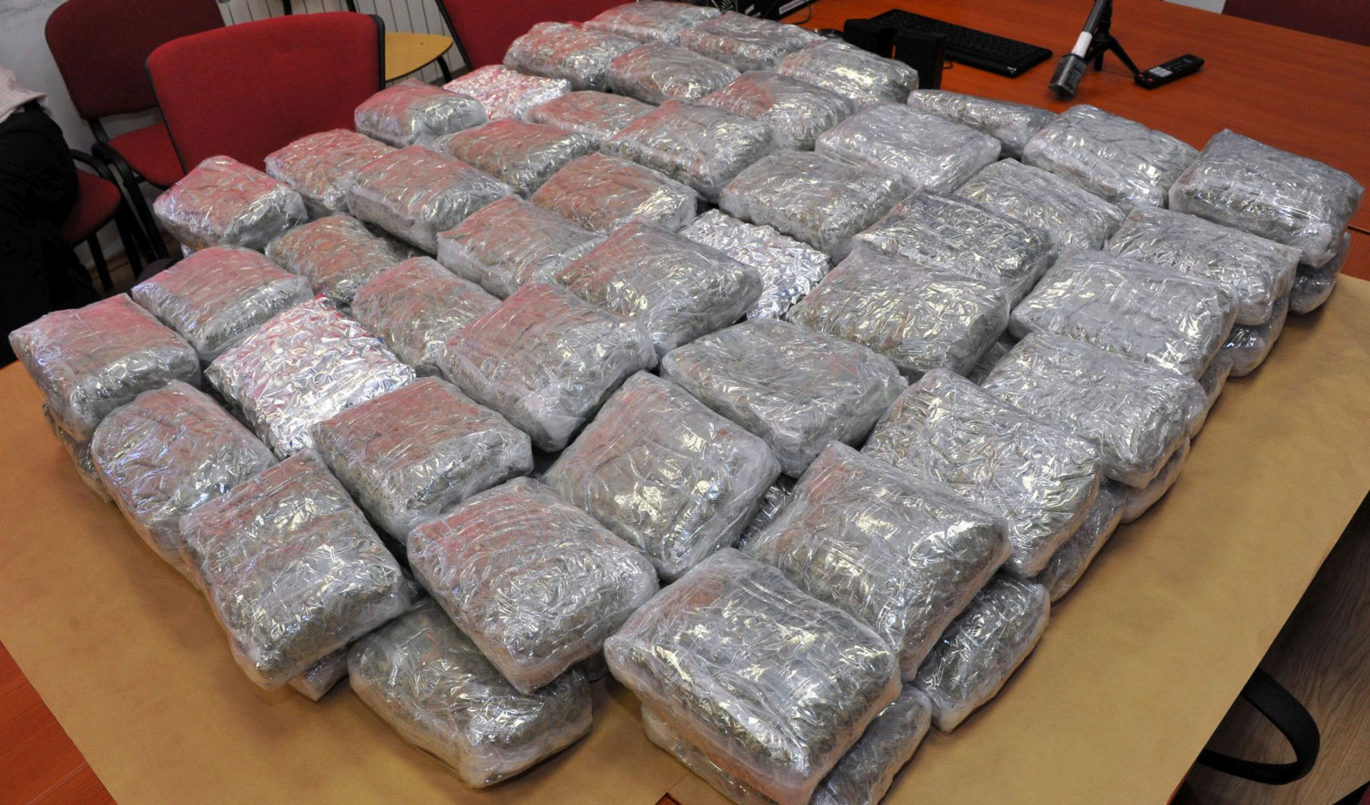 Policija na omiškom području zaplijenila 4 kilograma marihuane