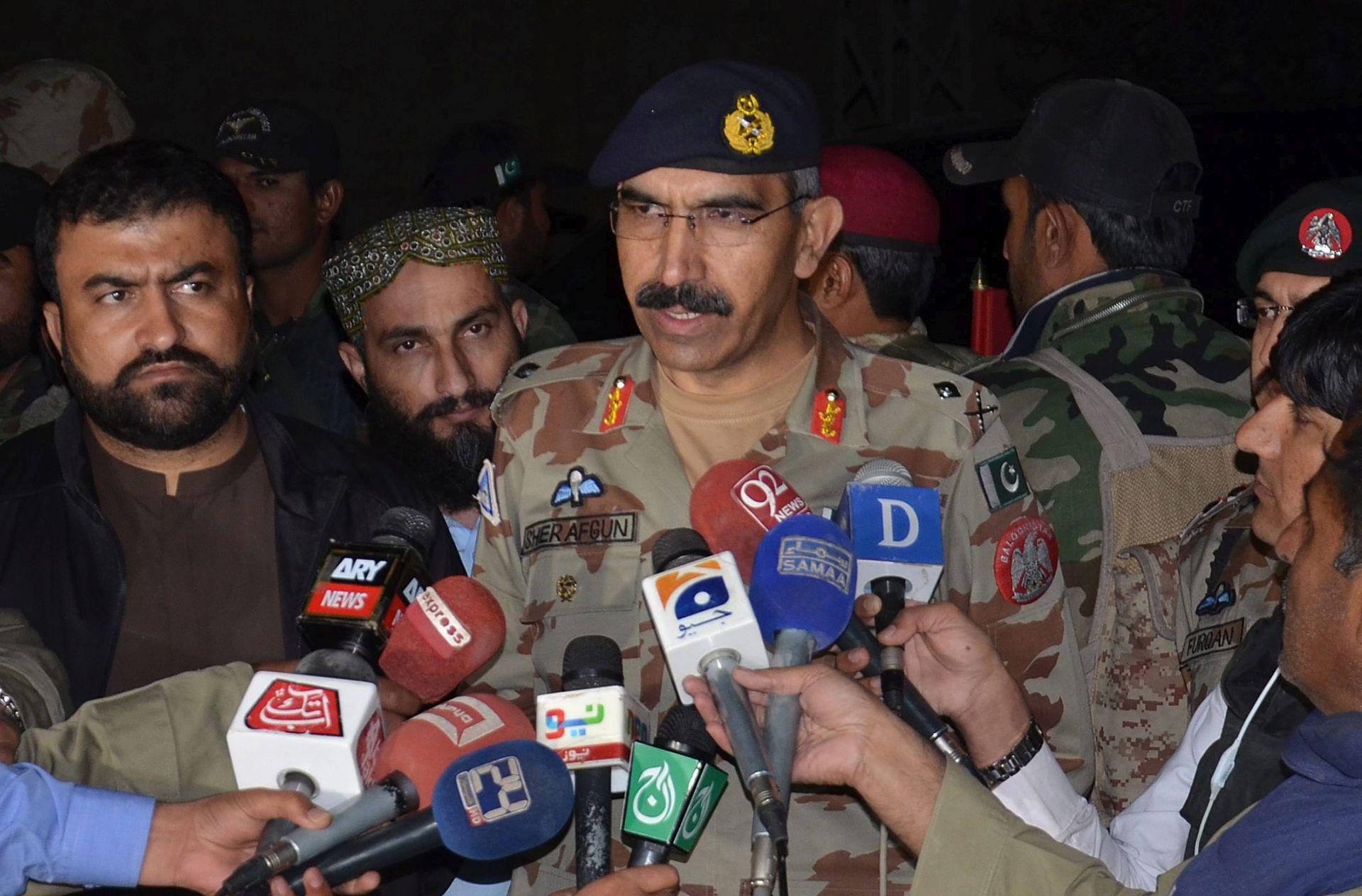 U Pakistanu 500 pobunjenika predalo oružje
